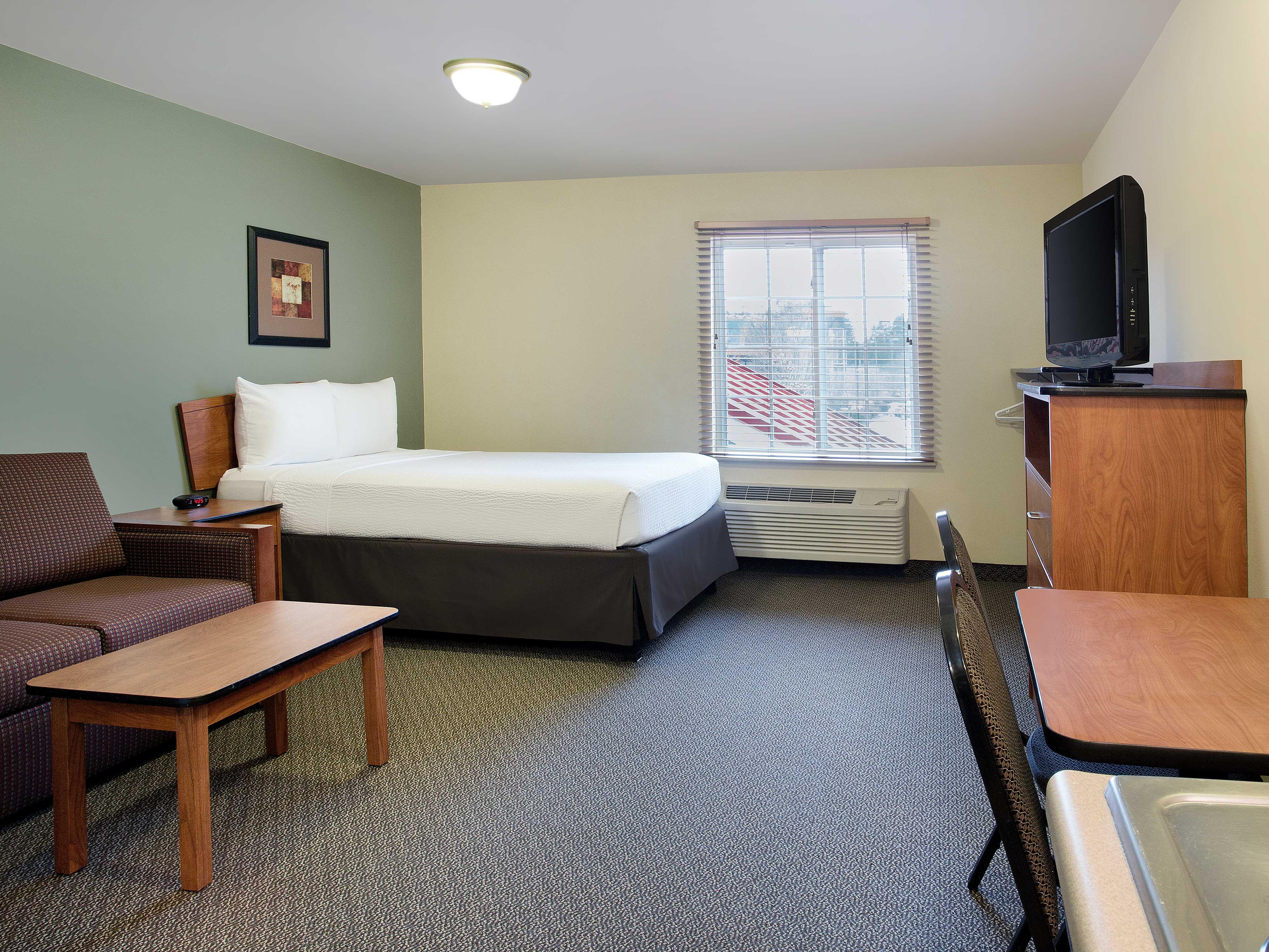 WoodSpring Suites Richmond West image 10
