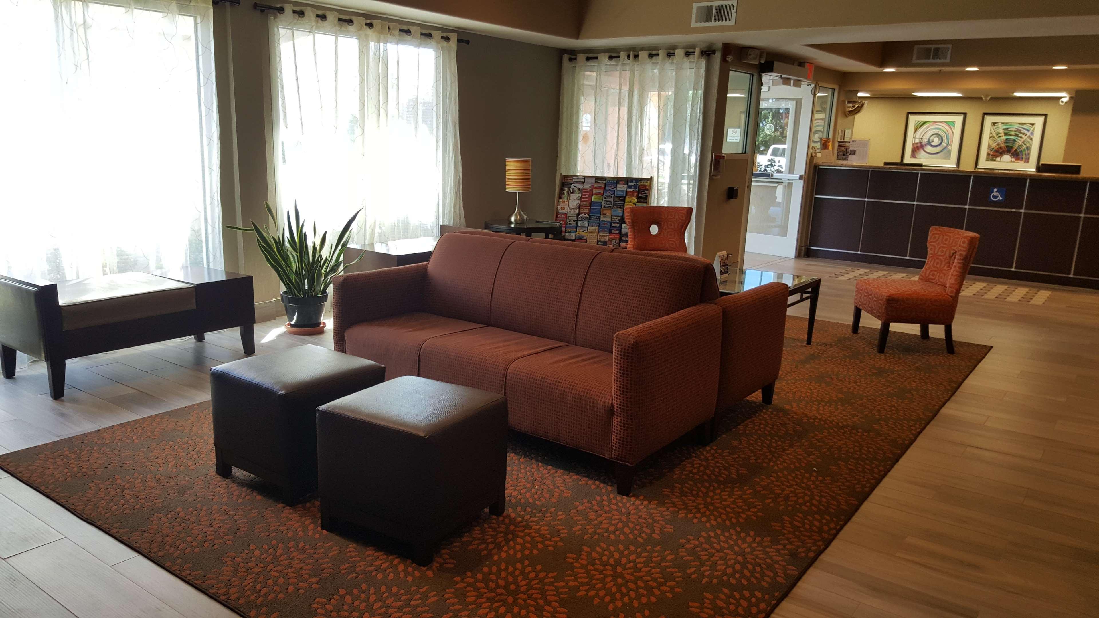 Best Western Plus Airport Inn & Suites image 25