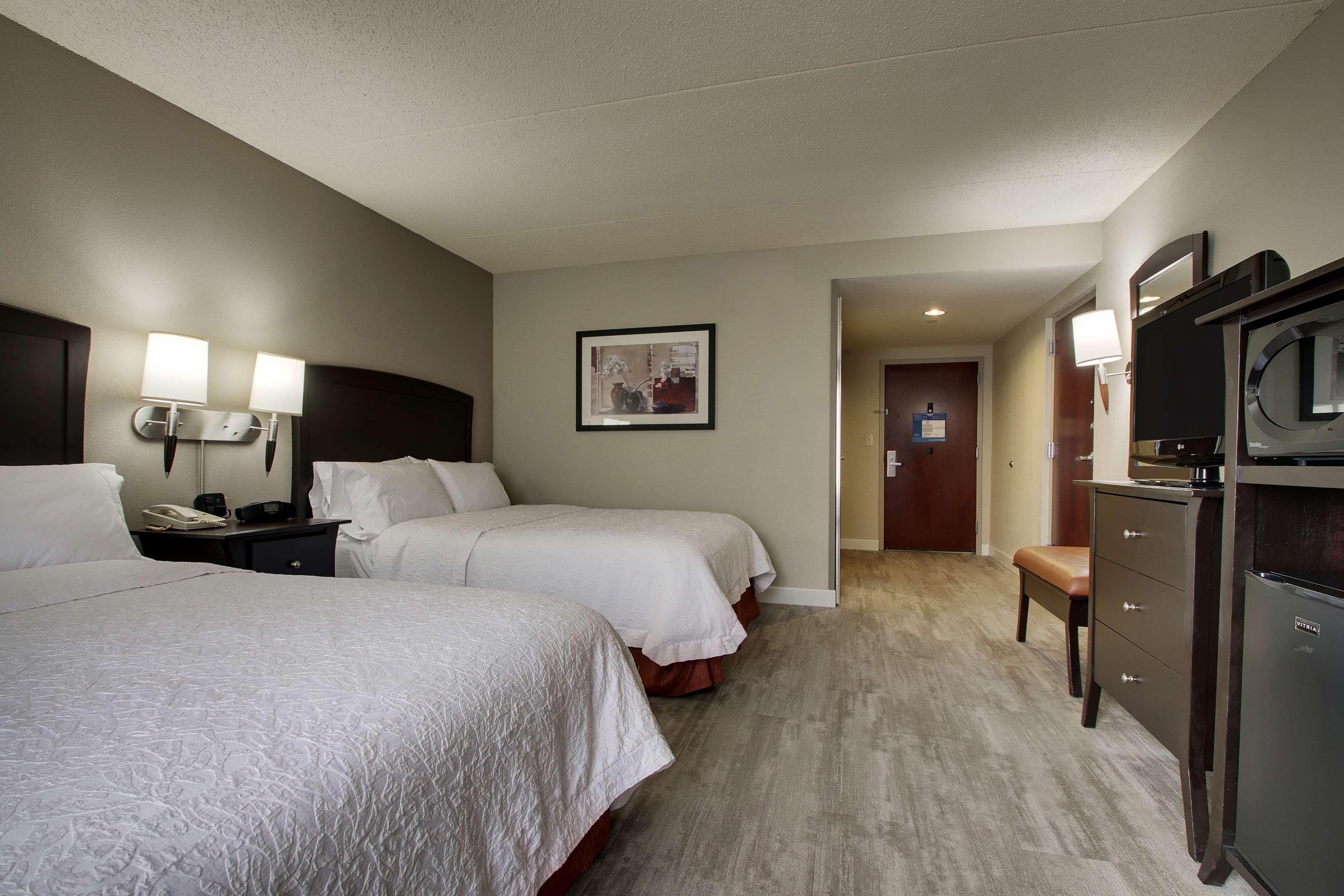 Hampton Inn & Suites Spartanburg-I-26-Westgate Mall image 34