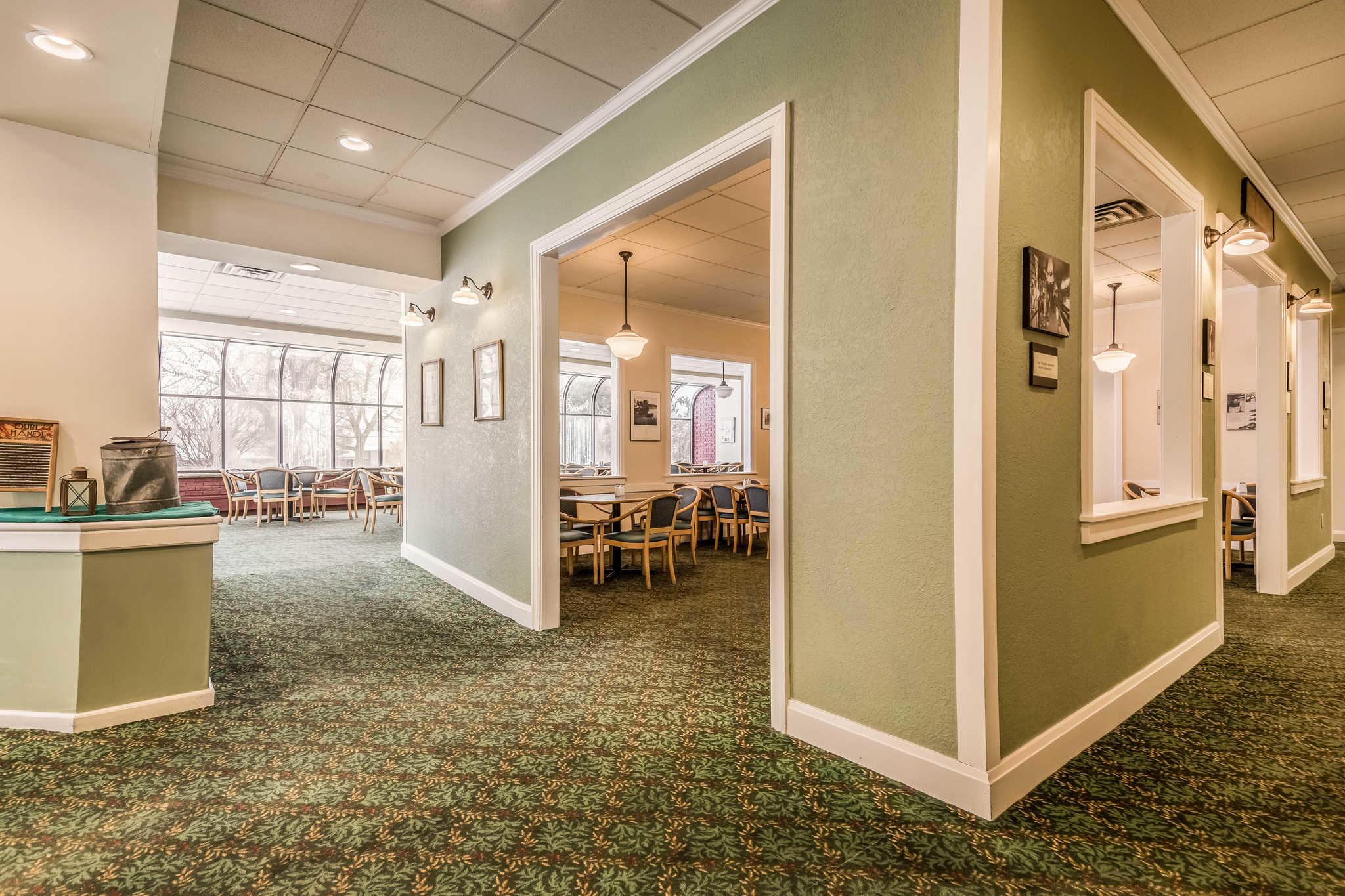 Quality Inn near Finger Lakes and Seneca Falls image 23