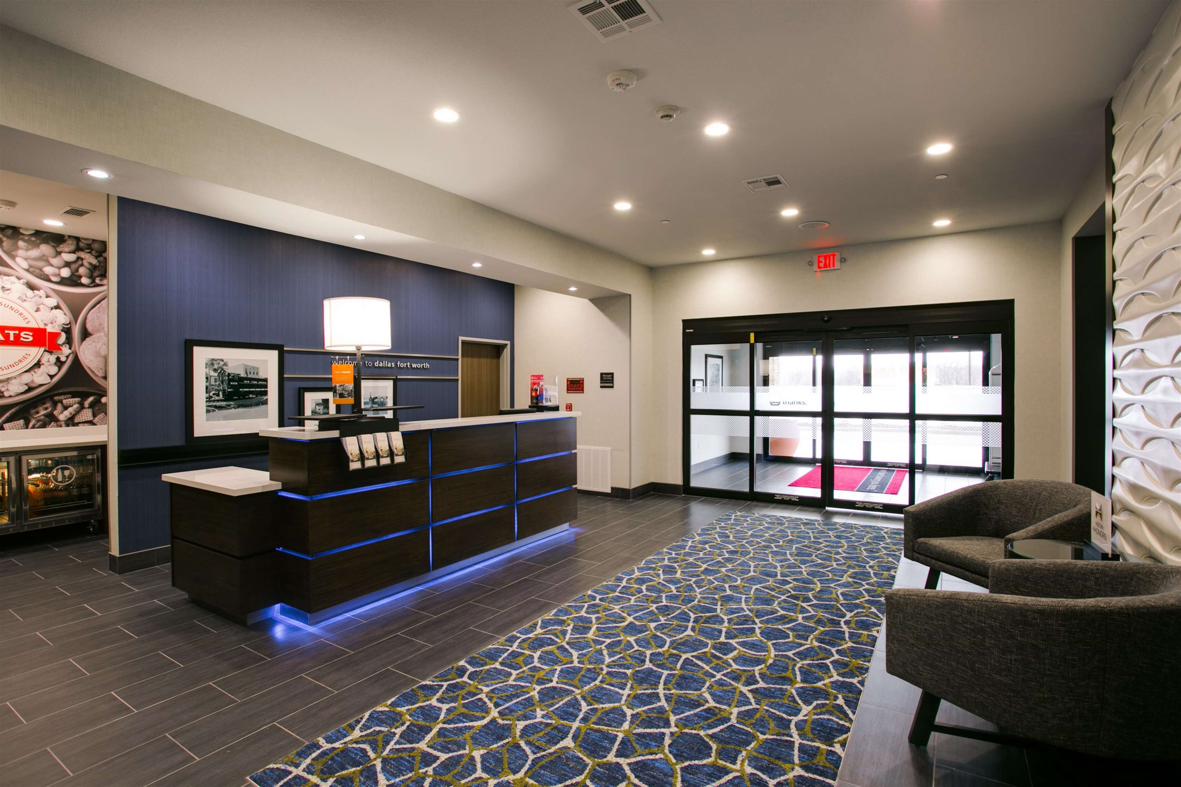 Hampton Inn & Suites Dallas/Ft. Worth Airport South image 4