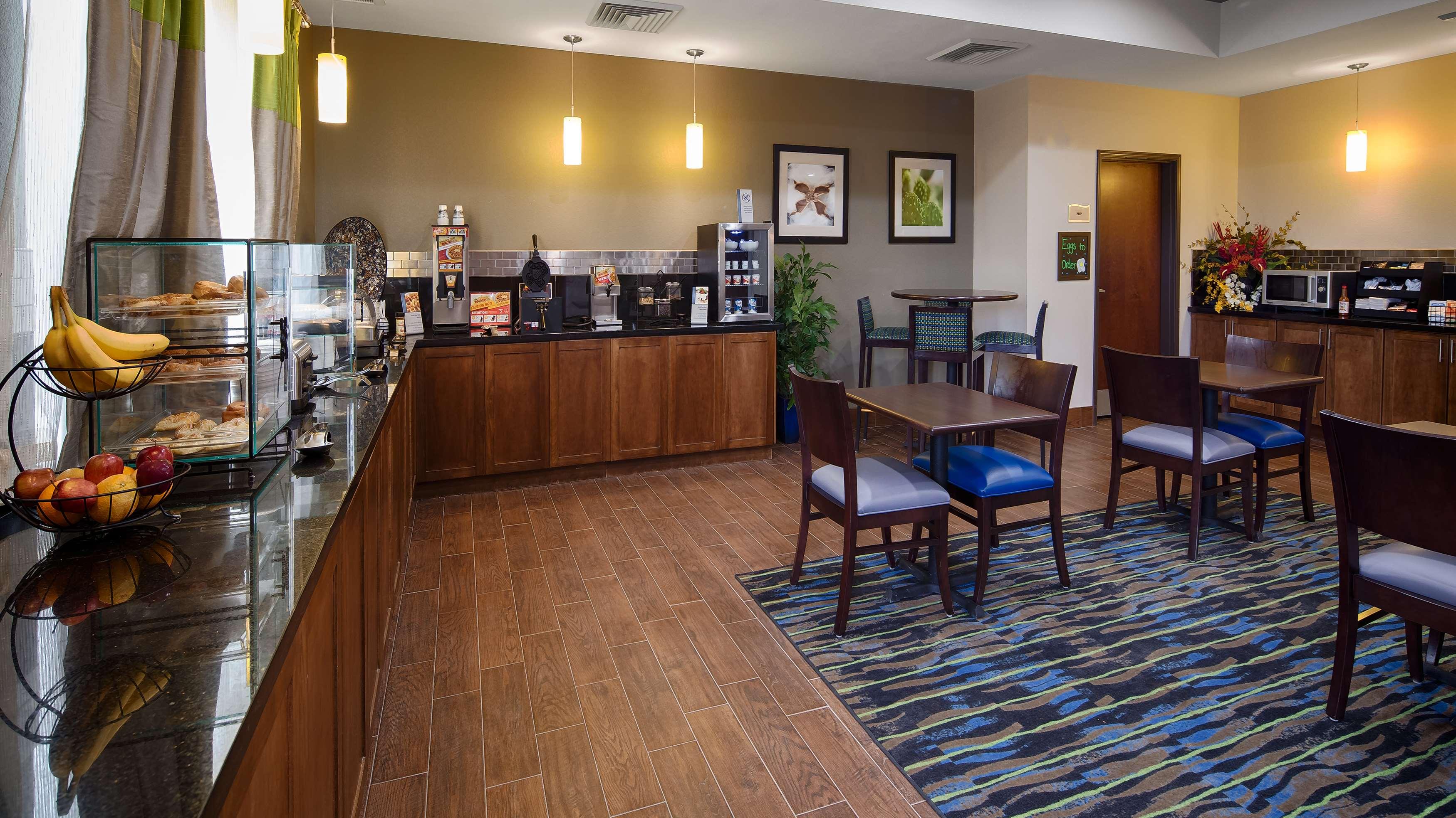 Best Western Plus Denver City Hotel & Suites image 6