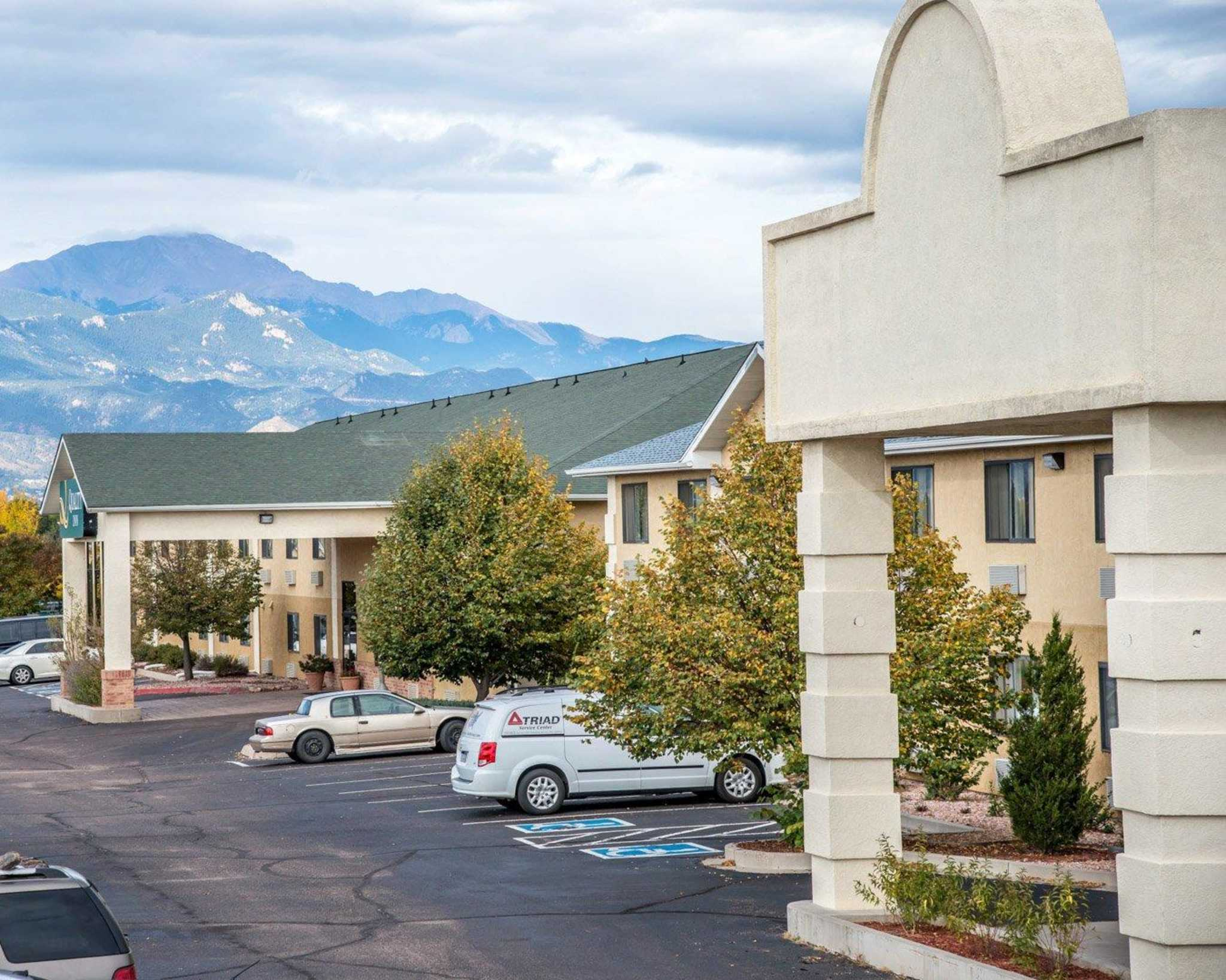 Quality Inn Colorado Springs Airport image 3