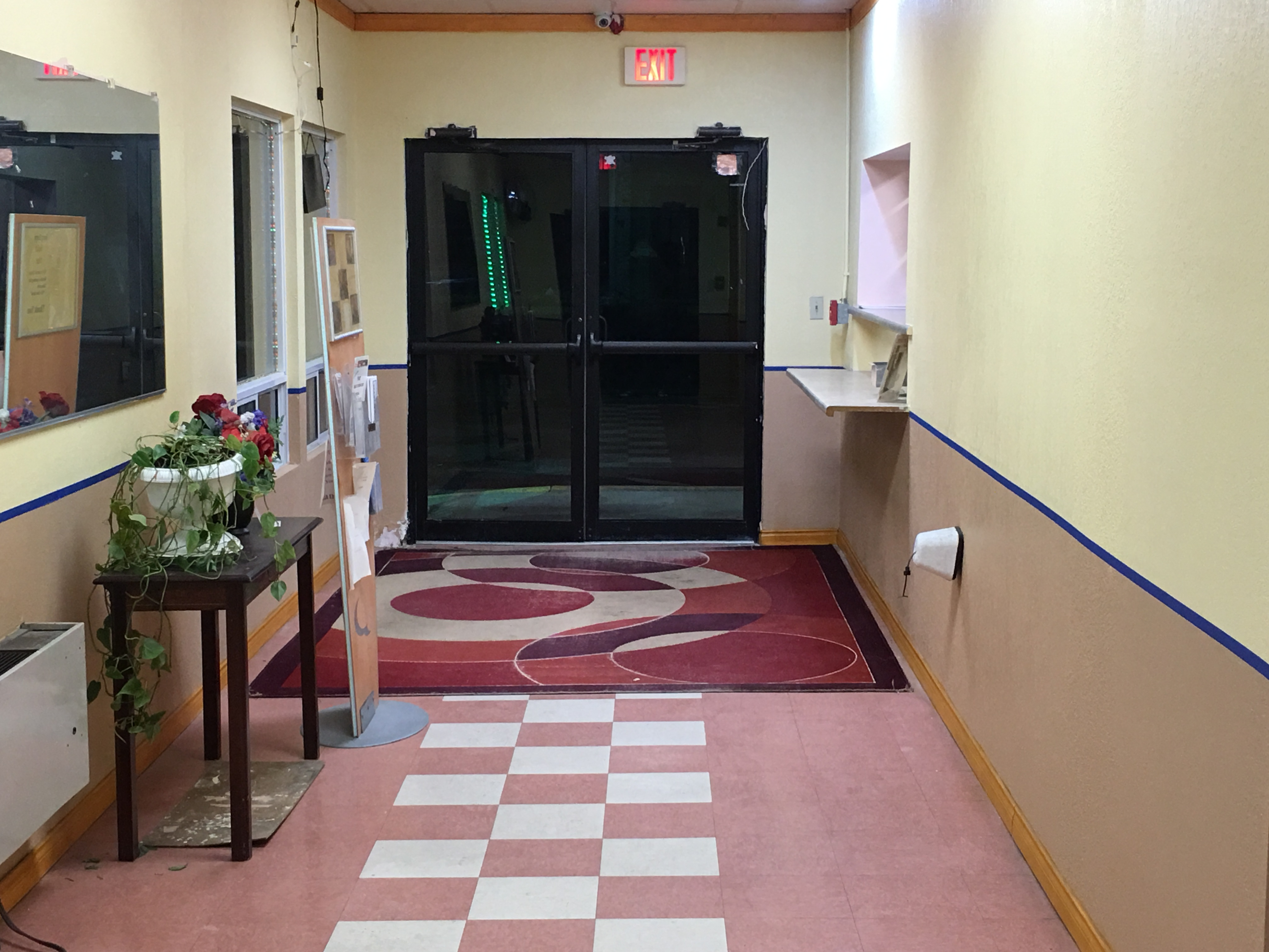 Red Carpet Inn & Suites image 2