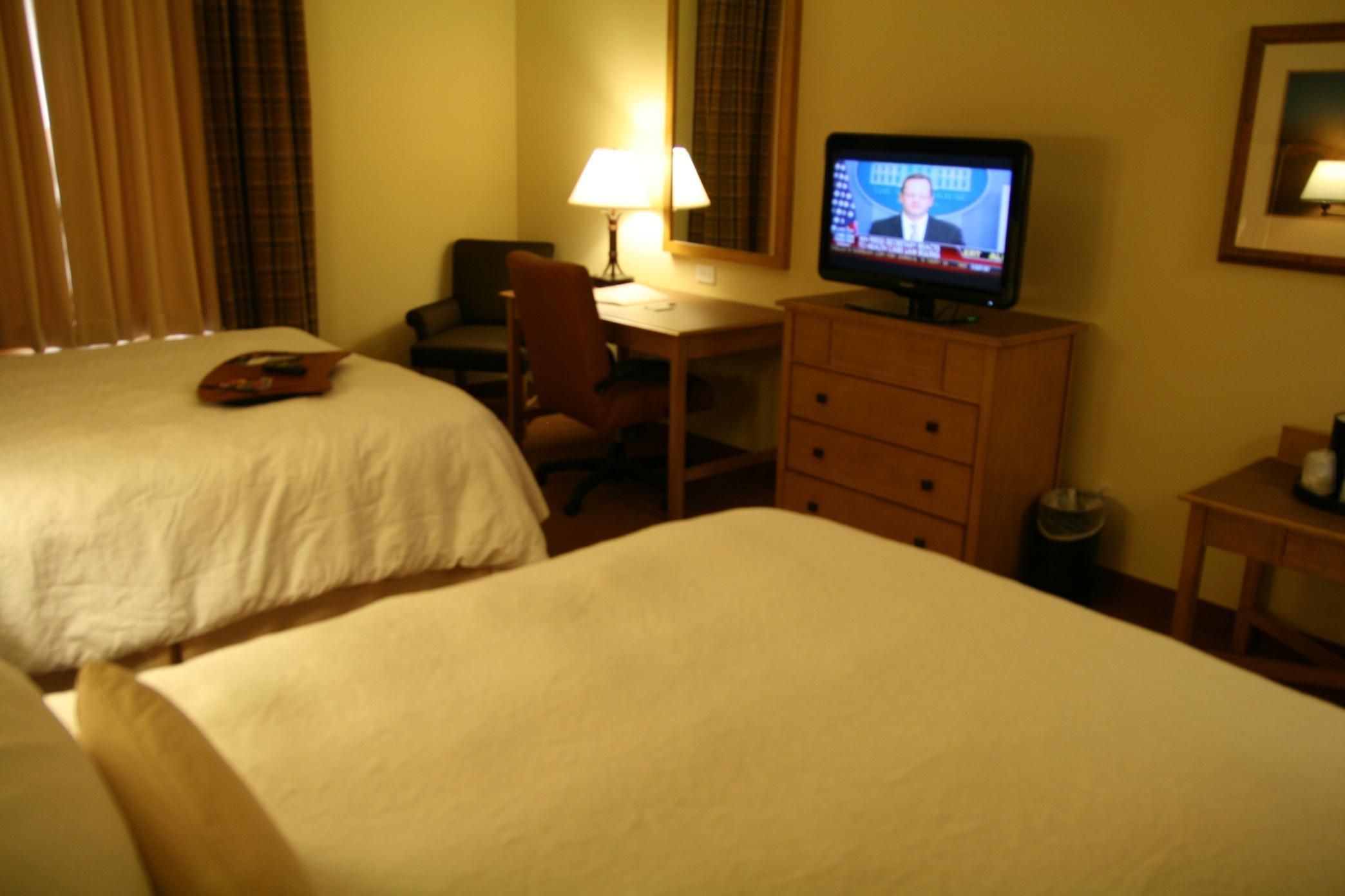 Hampton Inn & Suites Riverton image 3