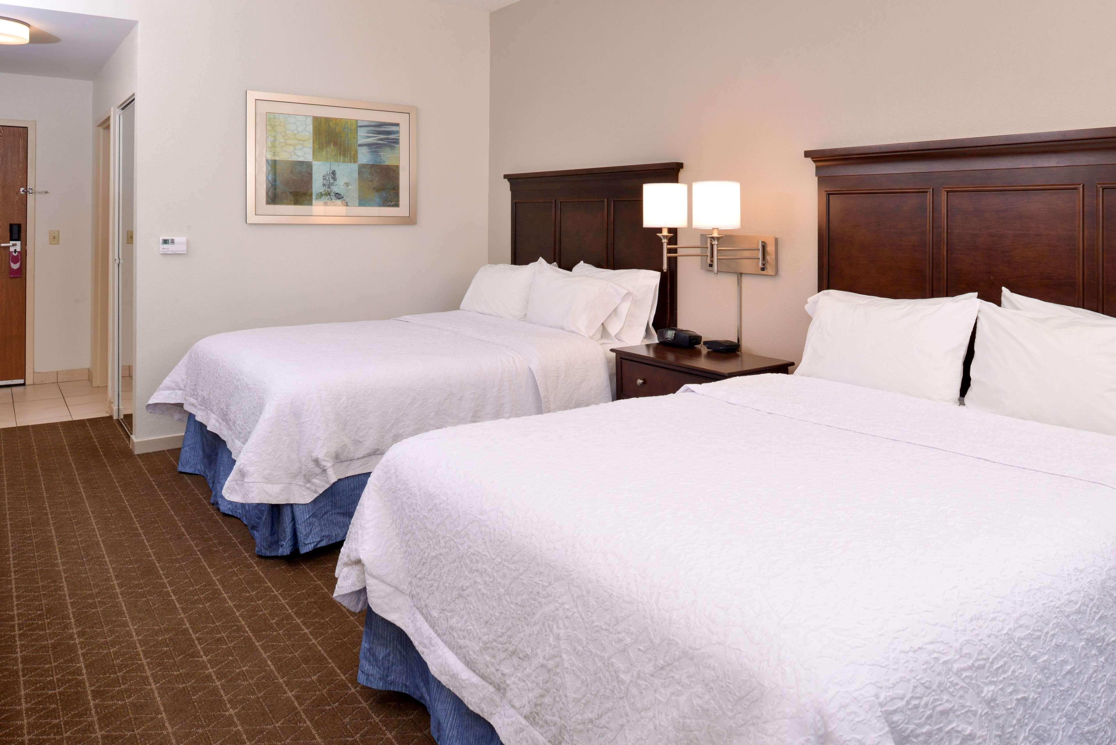 Hampton Inn & Suites Pueblo-Southgate image 39