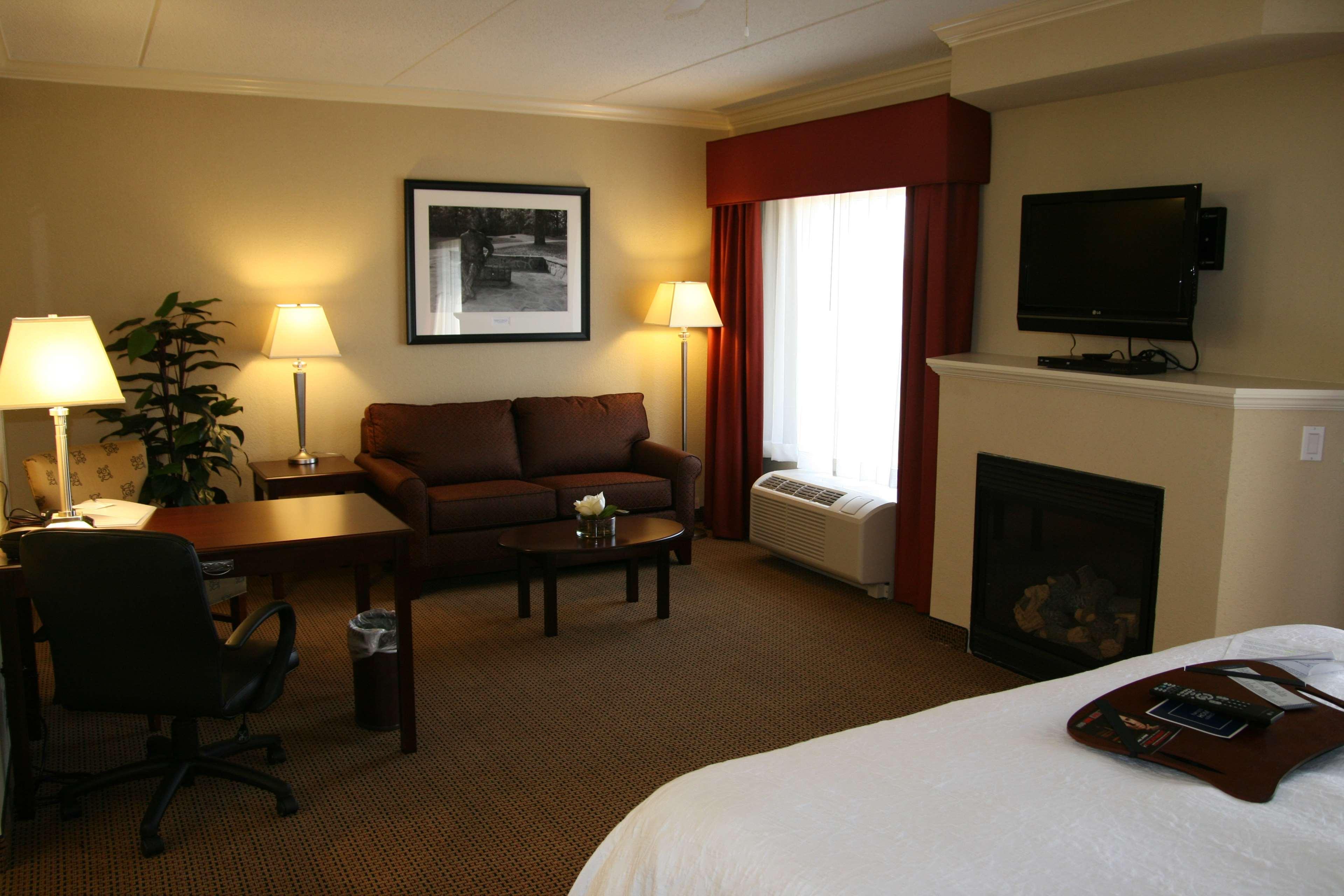 Hampton Inn & Suites Lanett-West Point image 29