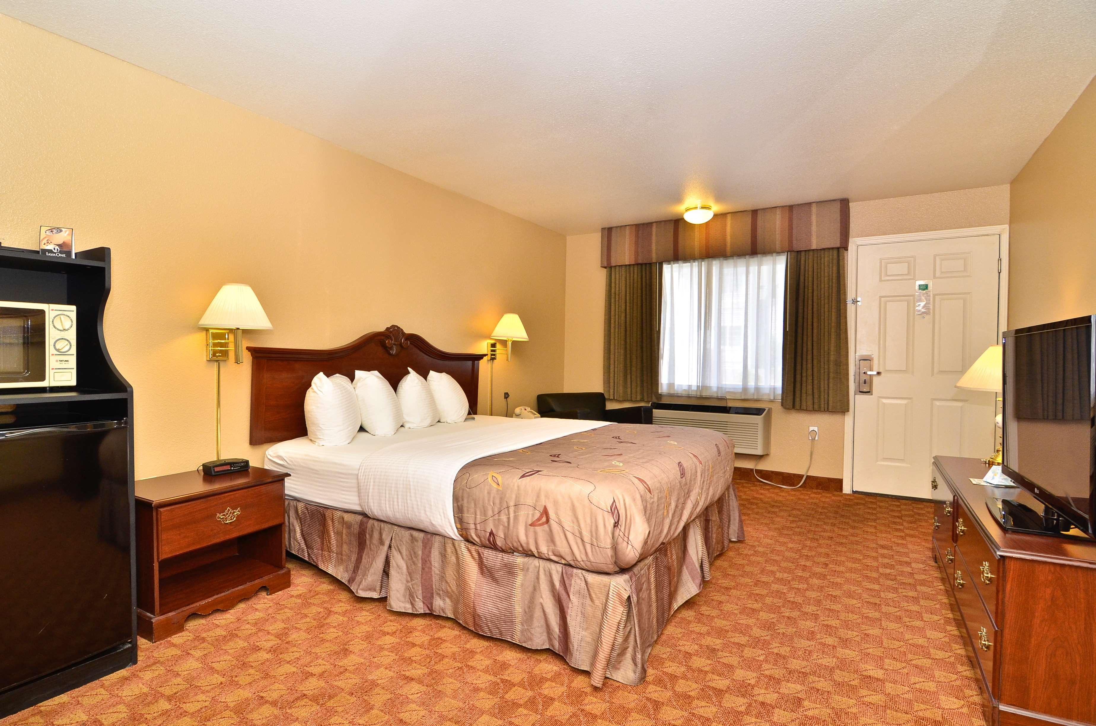 Best Western Fallon Inn & Suites image 26