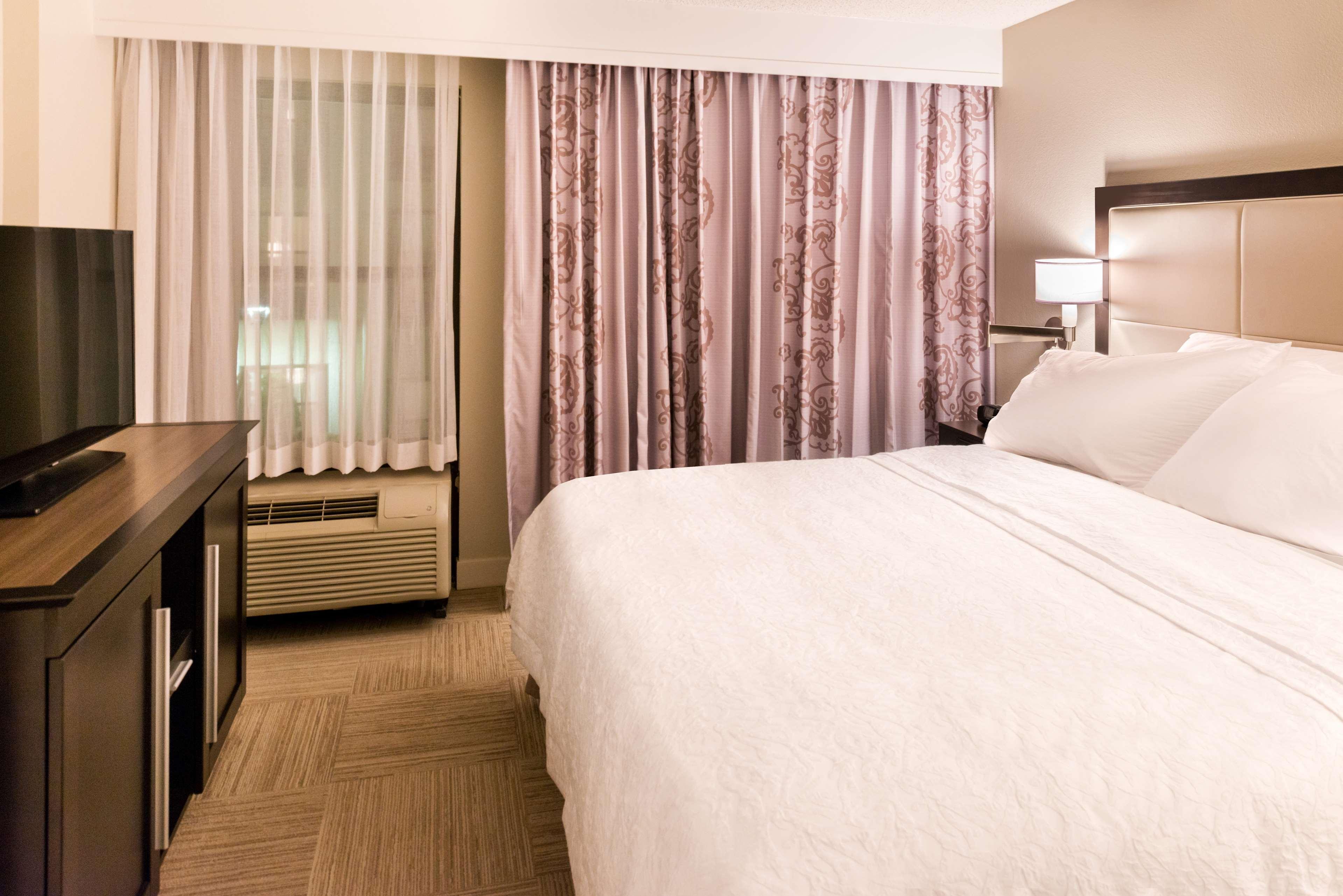 Hampton Inn & Suites Orlando/East UCF Area image 23