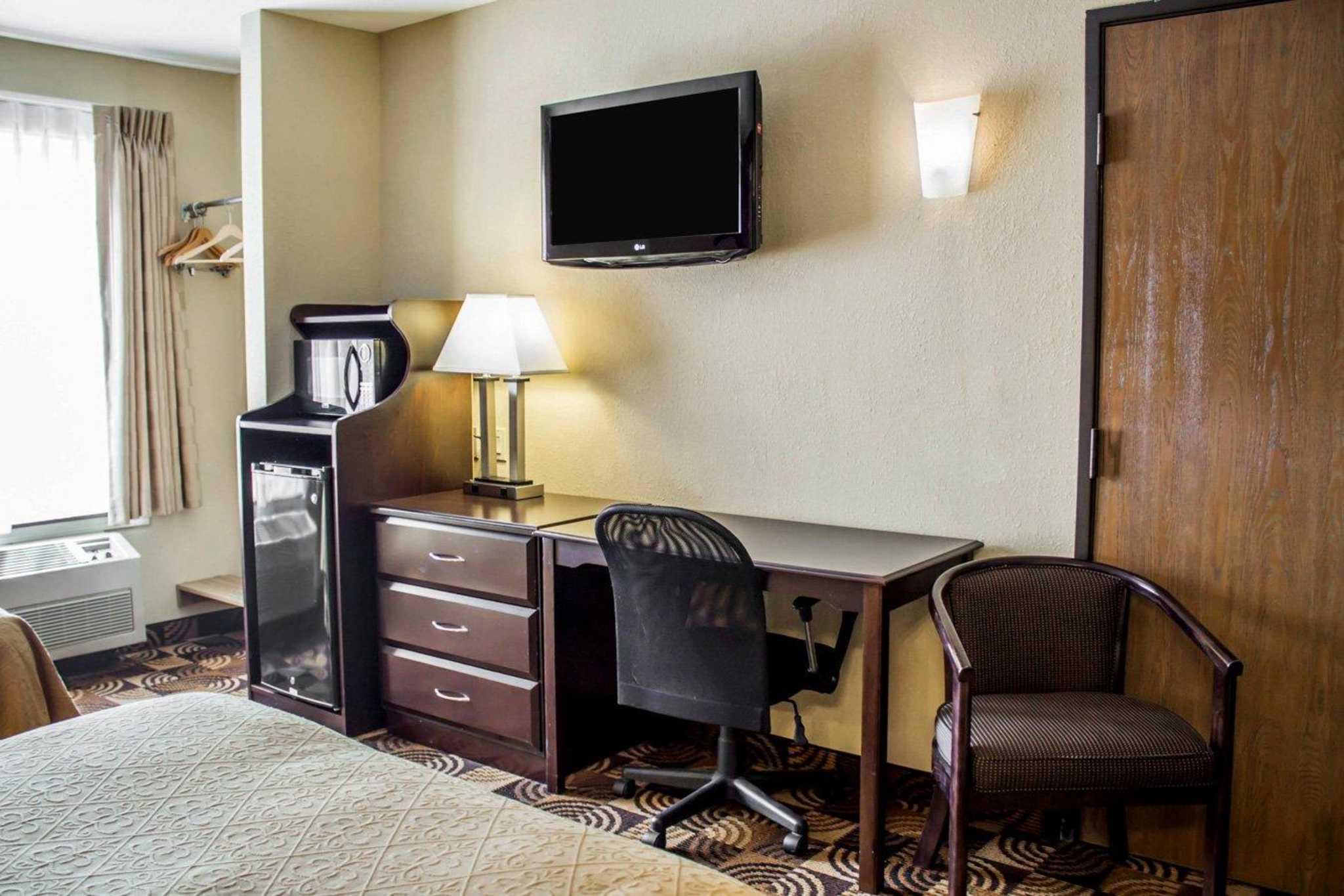 Quality Inn Brunswick Cleveland South image 11