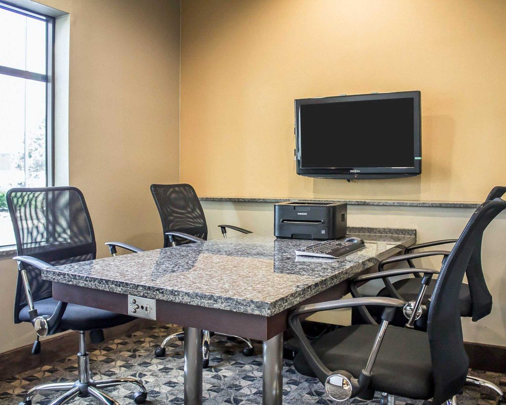 Comfort Suites Perrysburg - Toledo South image 10