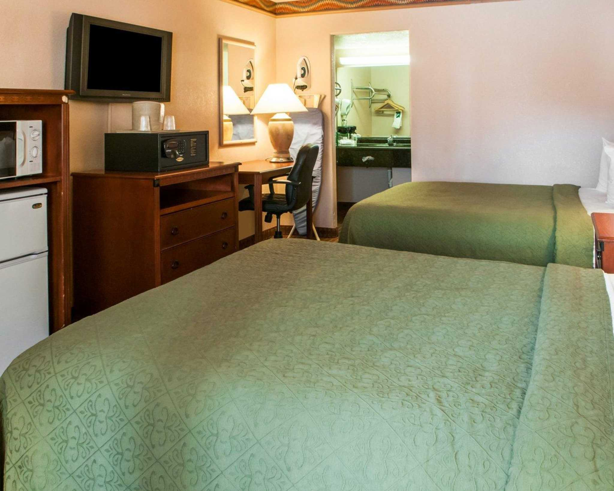 Quality Inn Amp Suites Las Cruces Nm Business Information