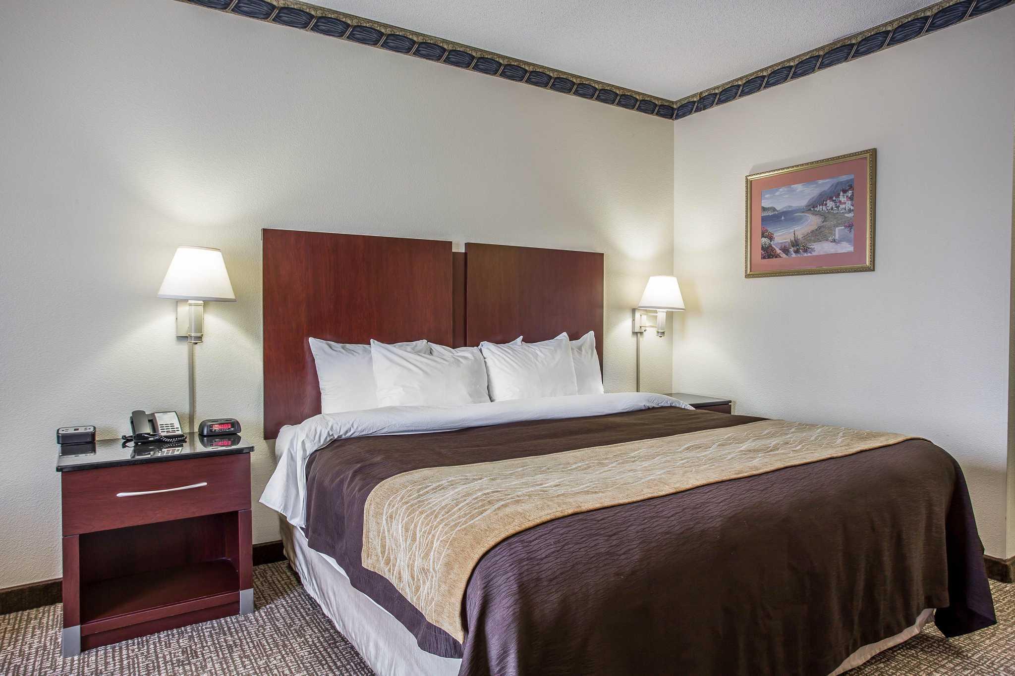 Comfort Inn & Suites Ft.Jackson Maingate image 9