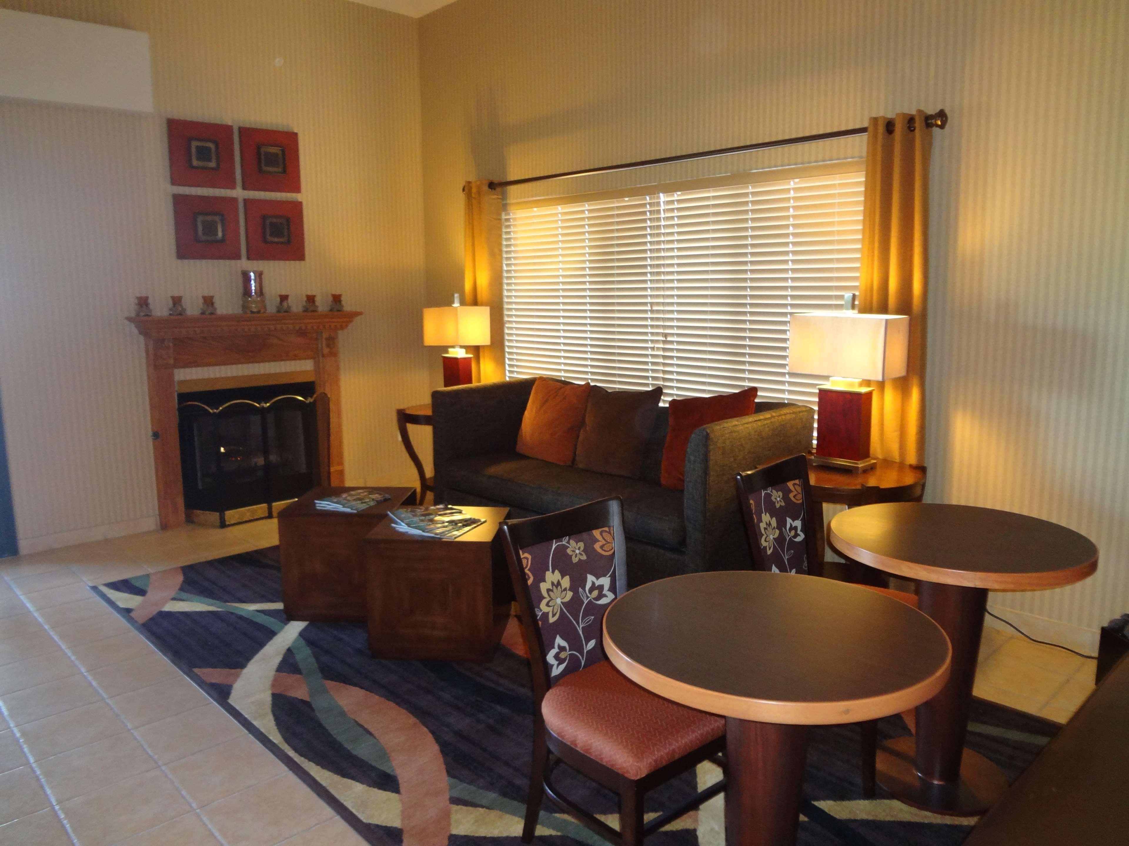 Best Western Plus Woodland Hills Hotel & Suites image 4