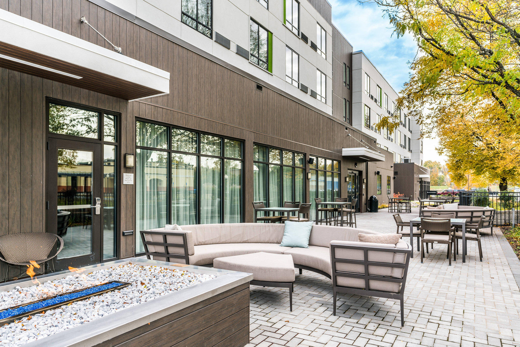 Courtyard by Marriott West Springfield