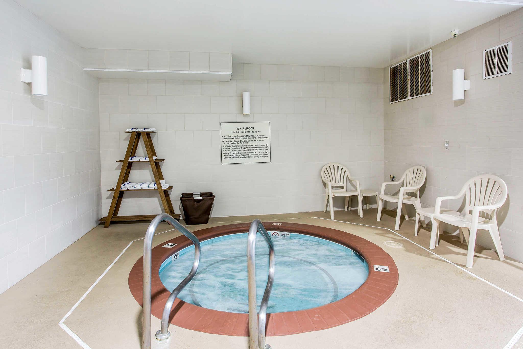 Comfort Inn & Suites image 25
