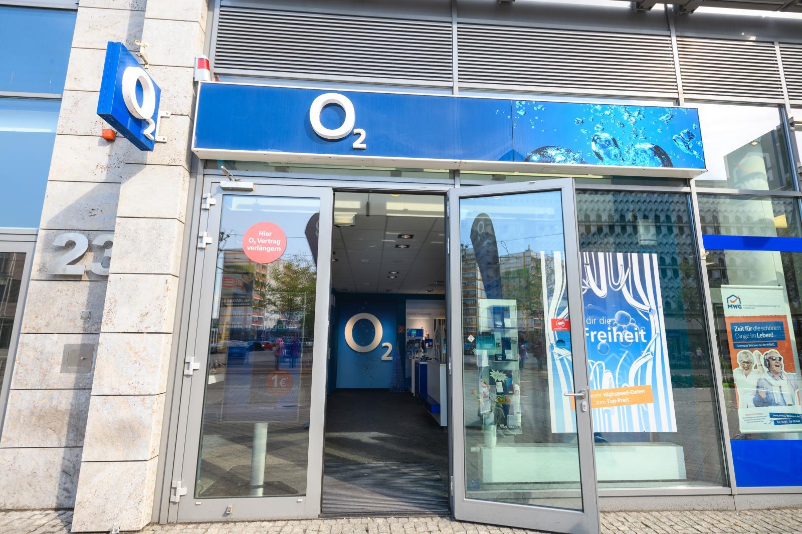 o2 Shop, Breiter Weg 23-26 in Magdeburg
