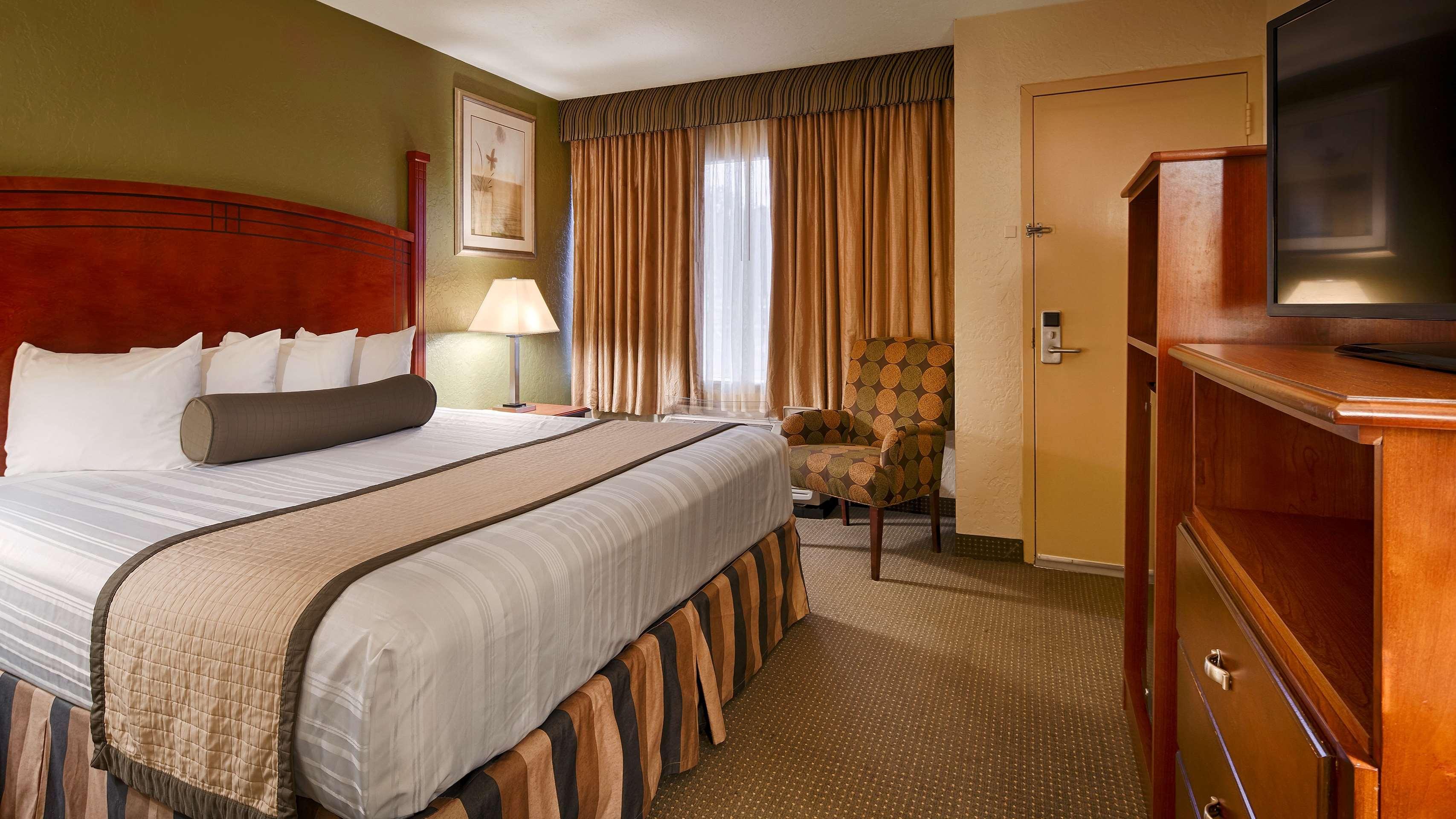 Best Western Plus Lawton Hotel & Convention Center image 8