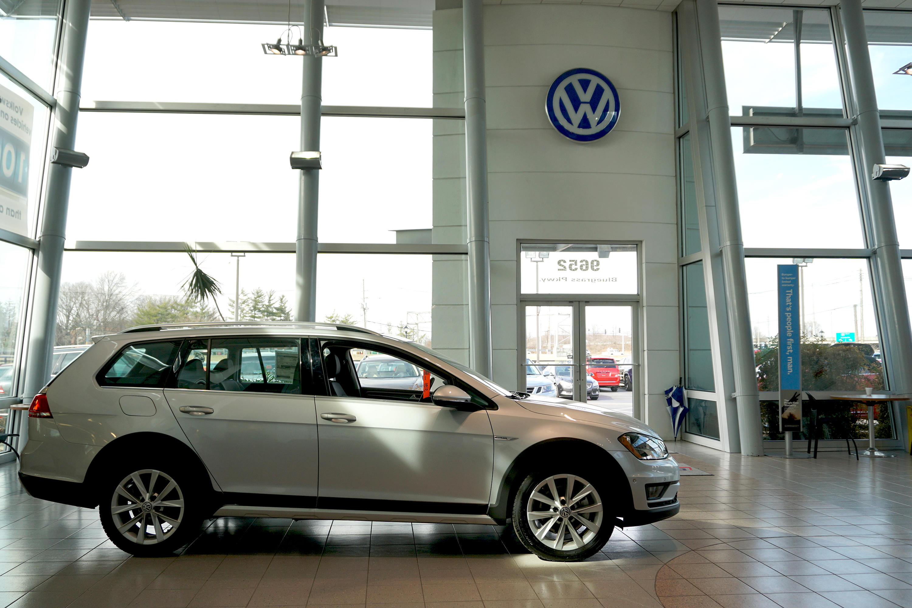 cars lot ky sale volkswagen louisville gti for s copart at