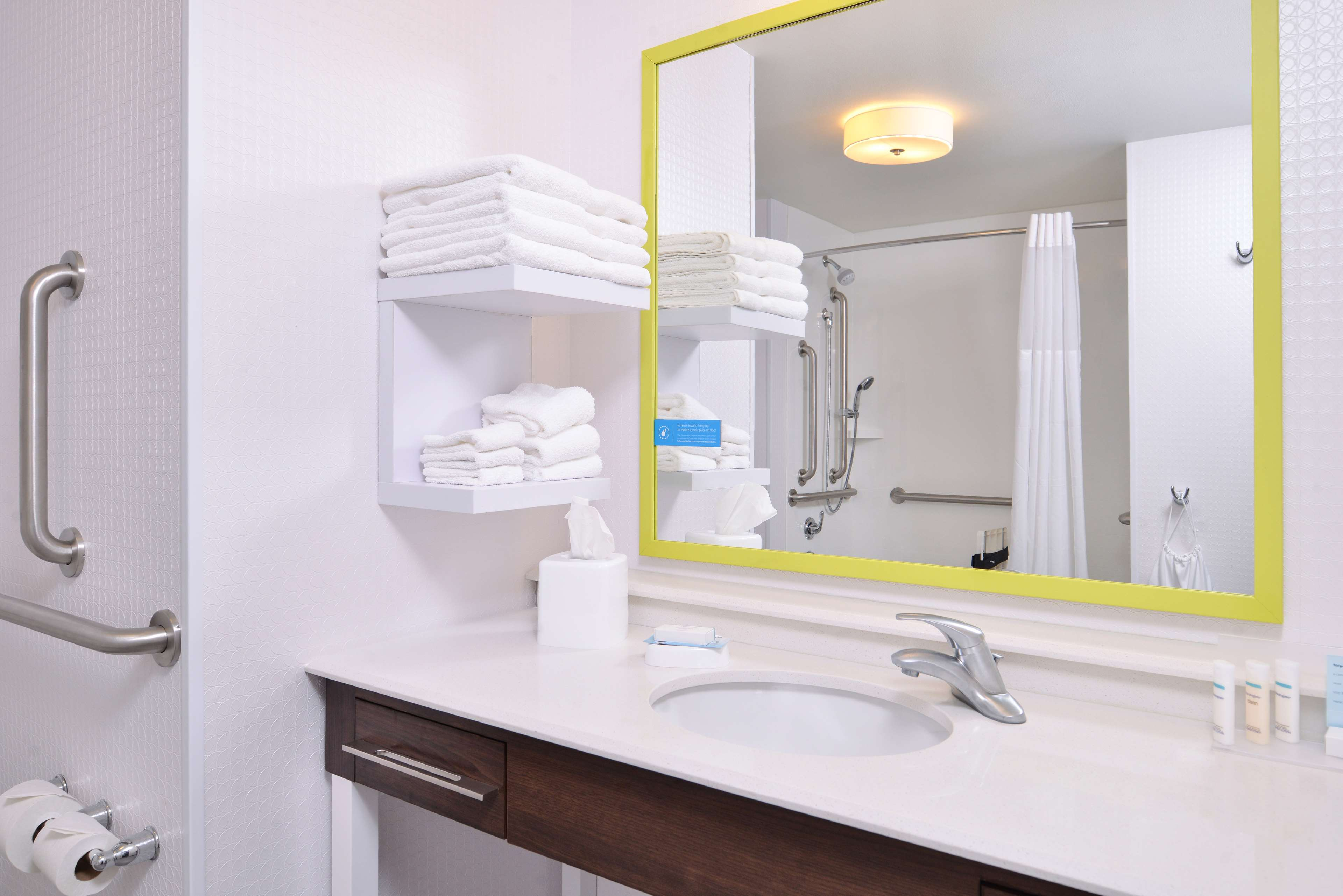 Hampton Inn & Suites St. Paul Oakdale/Woodbury image 35