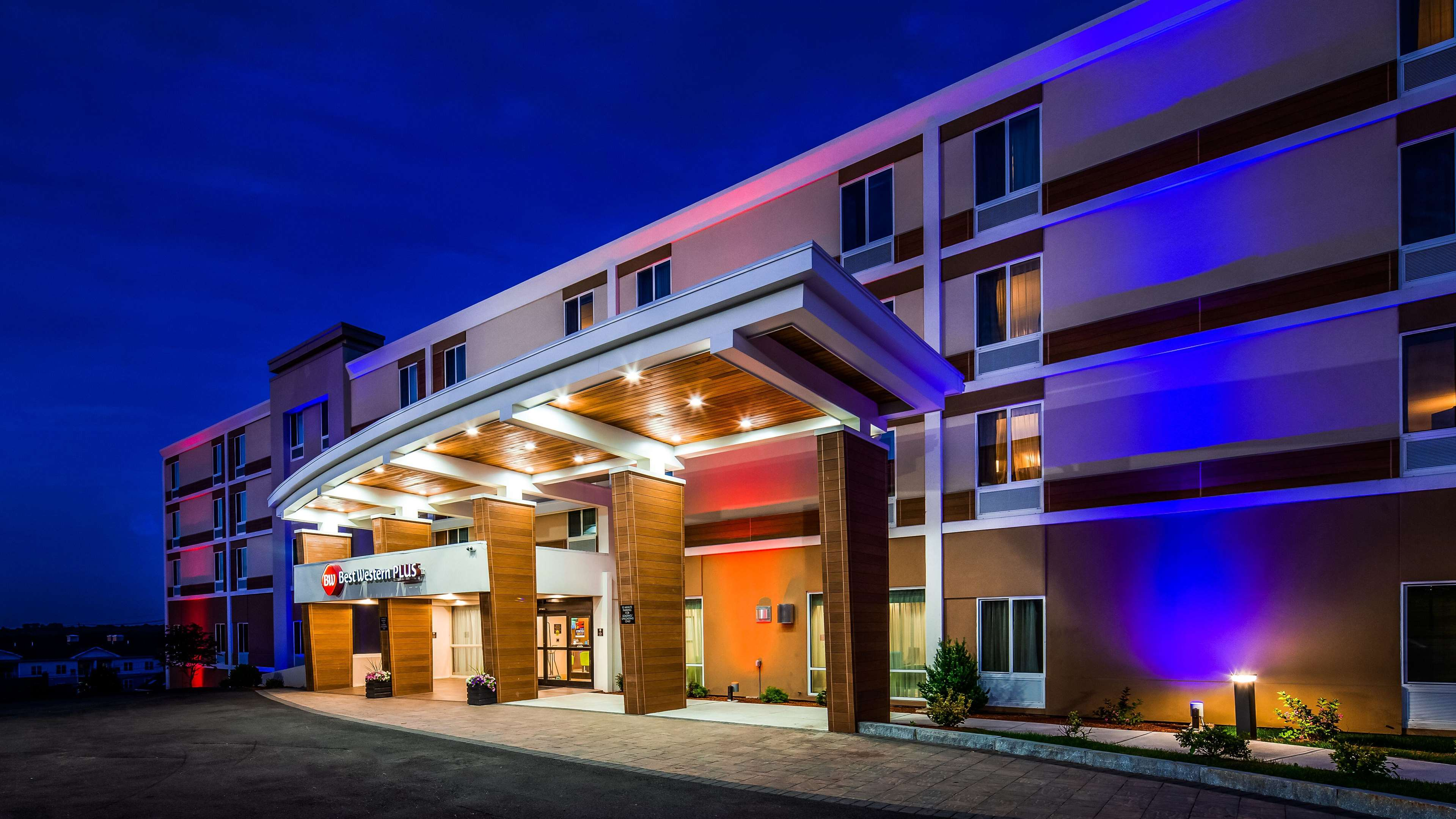 Best Western Plus North Shore Hotel image 36