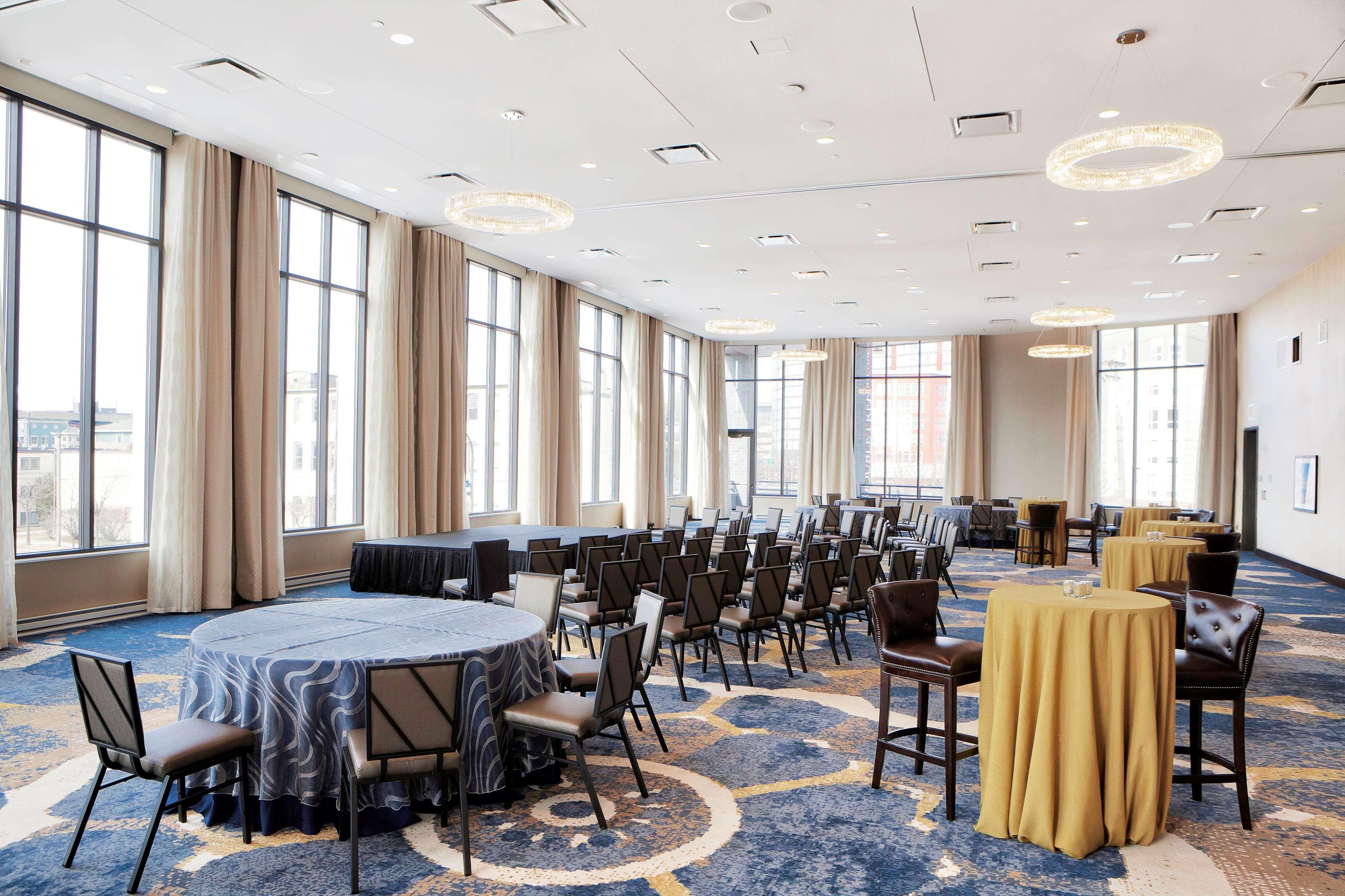 DoubleTree by Hilton Hotel Minneapolis - University Area image 8