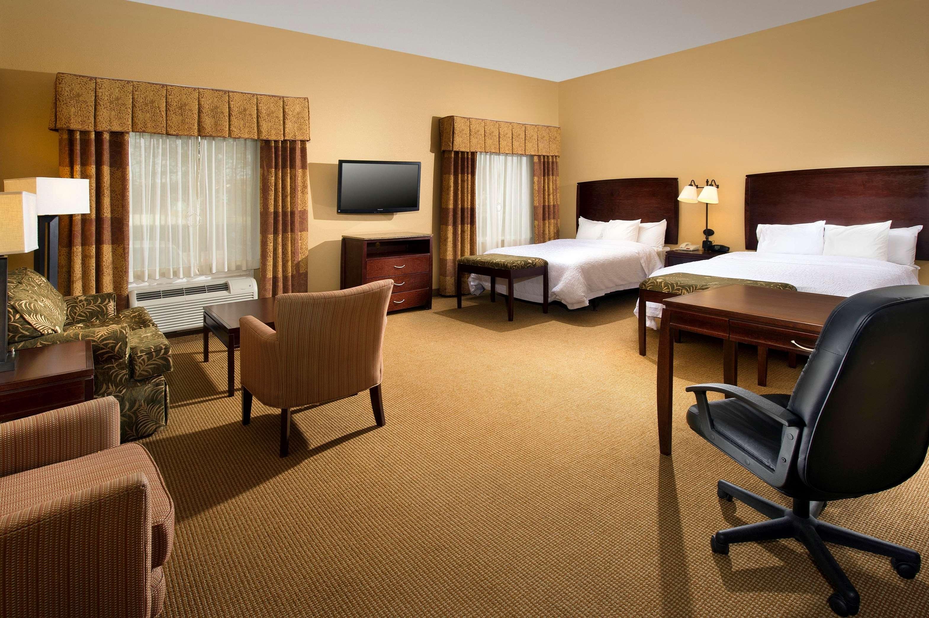 Hampton Inn & Suites San Antonio-Airport image 28