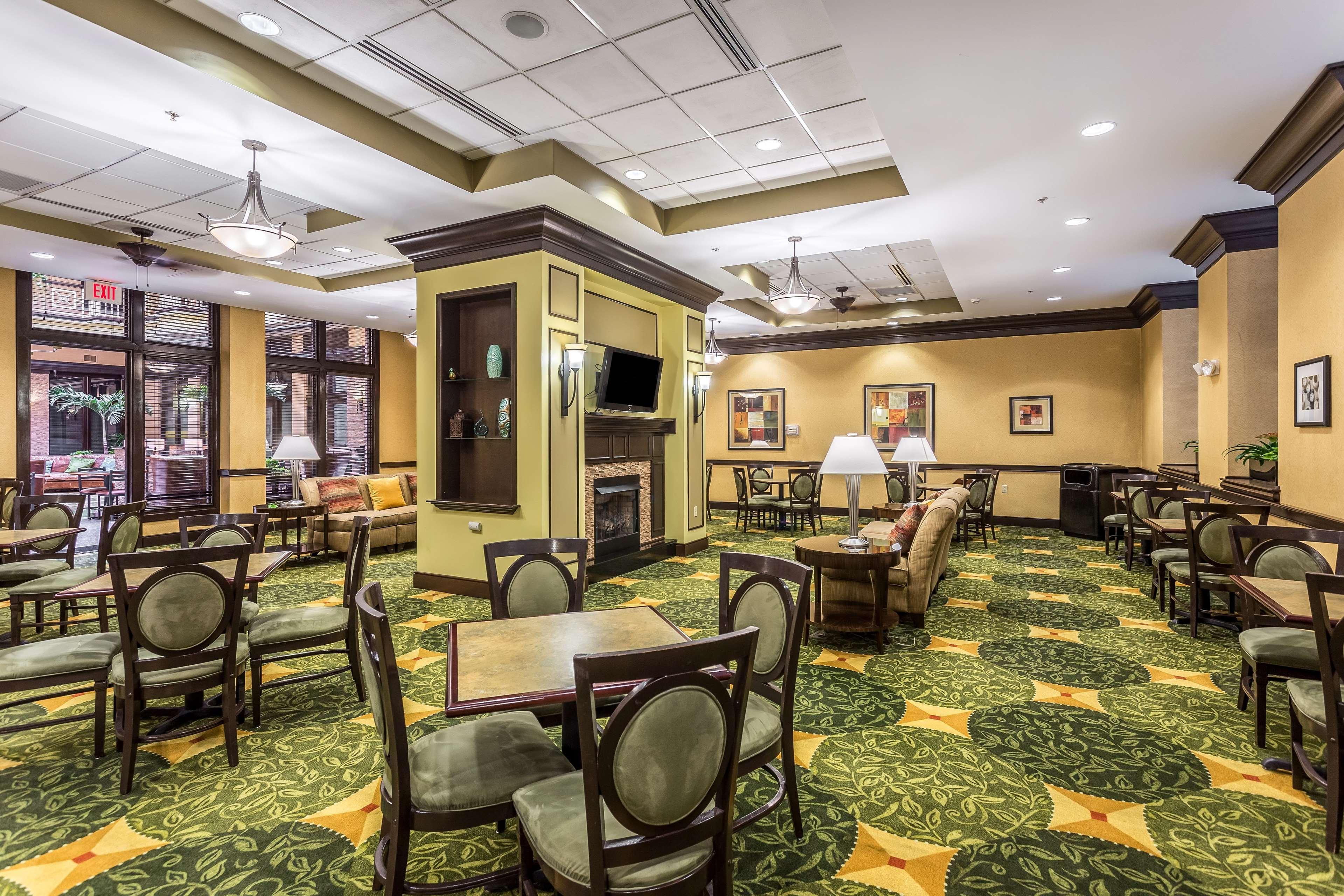 Homewood Suites by Hilton Nashville-Downtown image 5