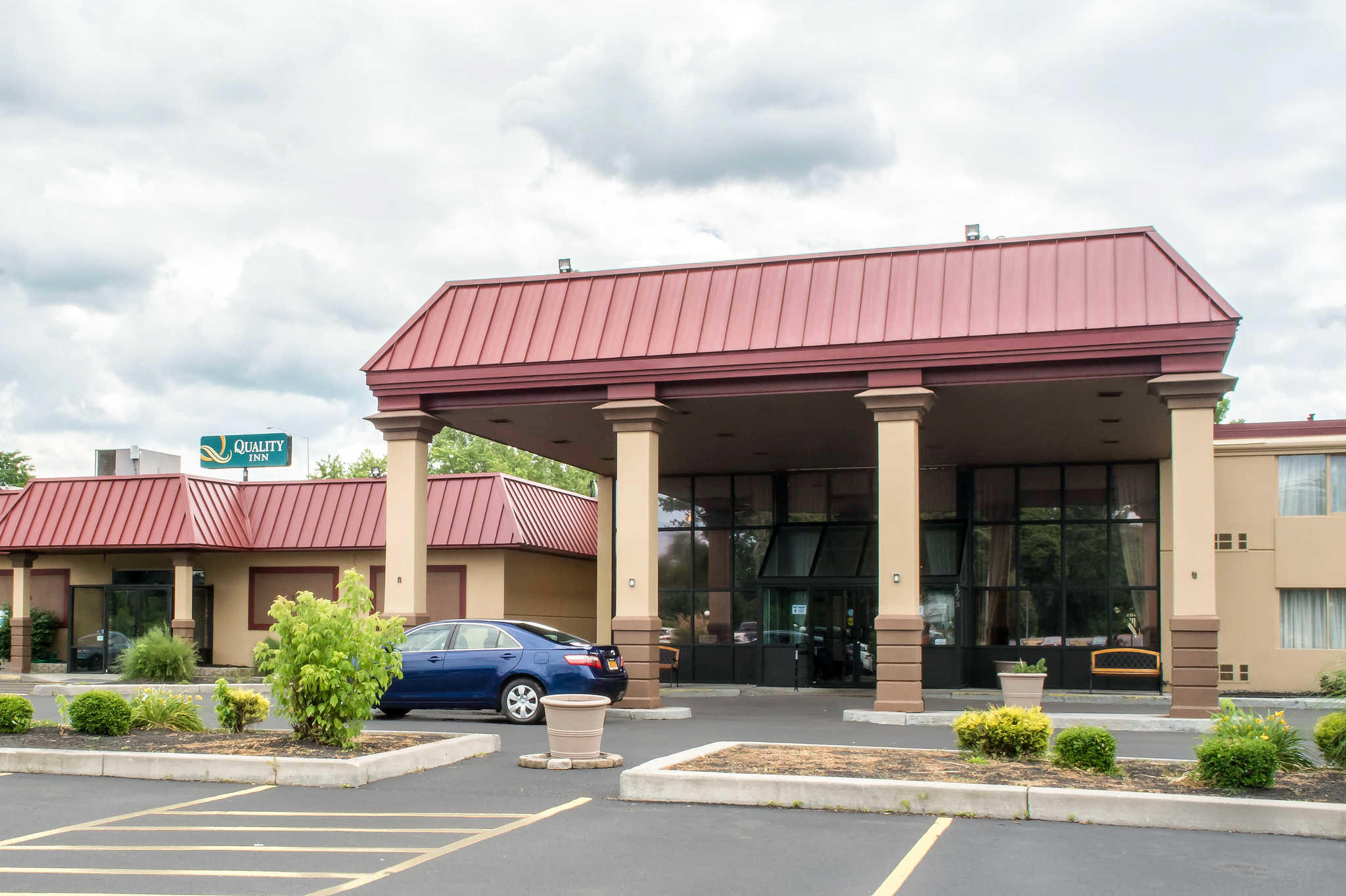 Quality Inn Rochester Airport image 0