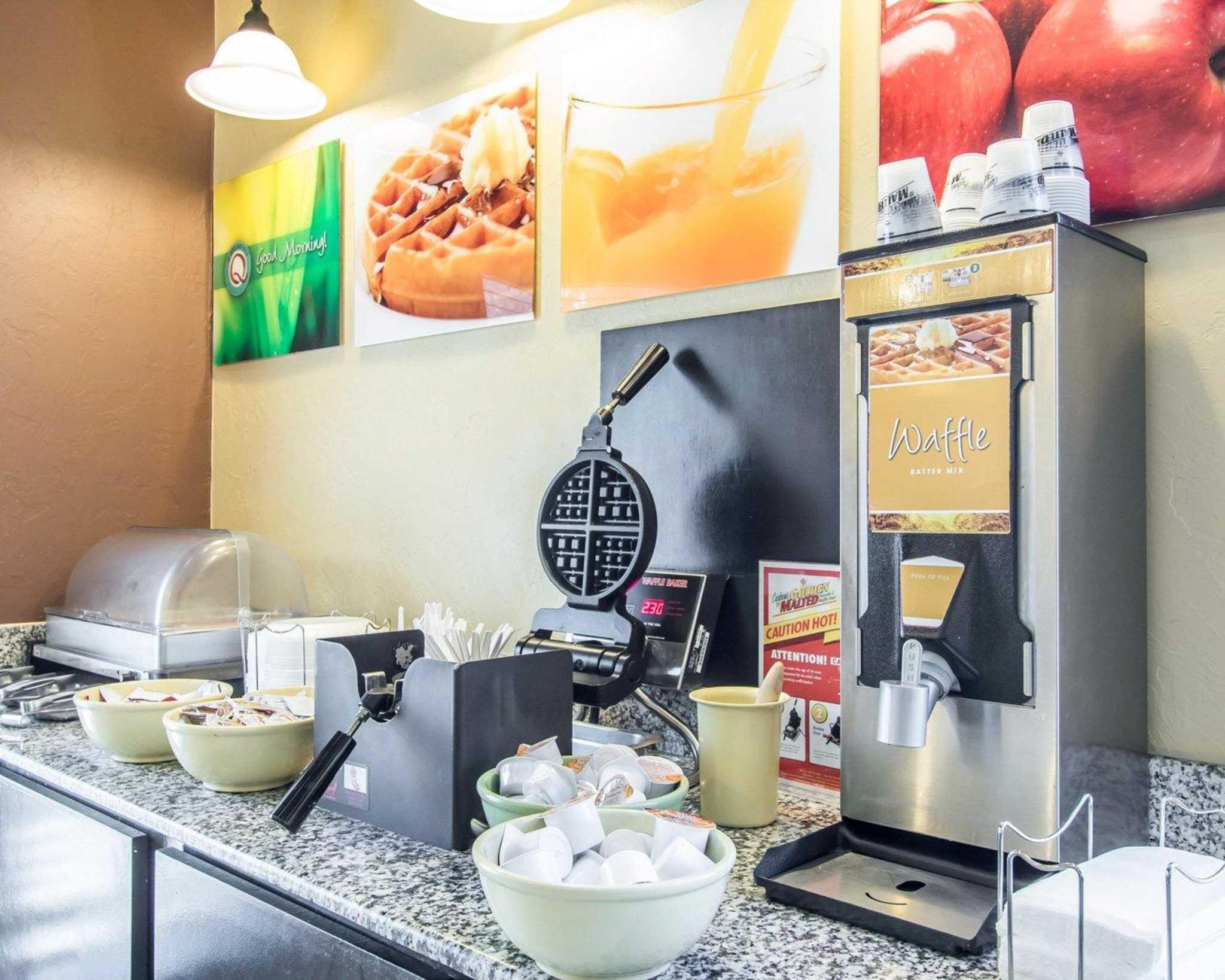Quality Inn & Suites Fairgrounds West image 20
