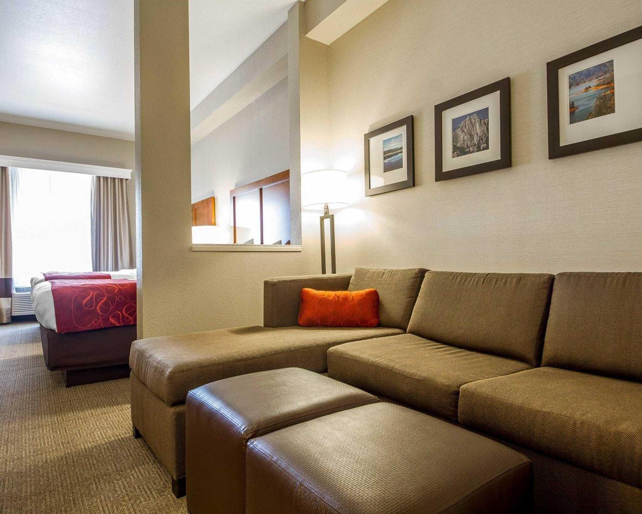 Comfort Suites Redding - Shasta Lake image 25