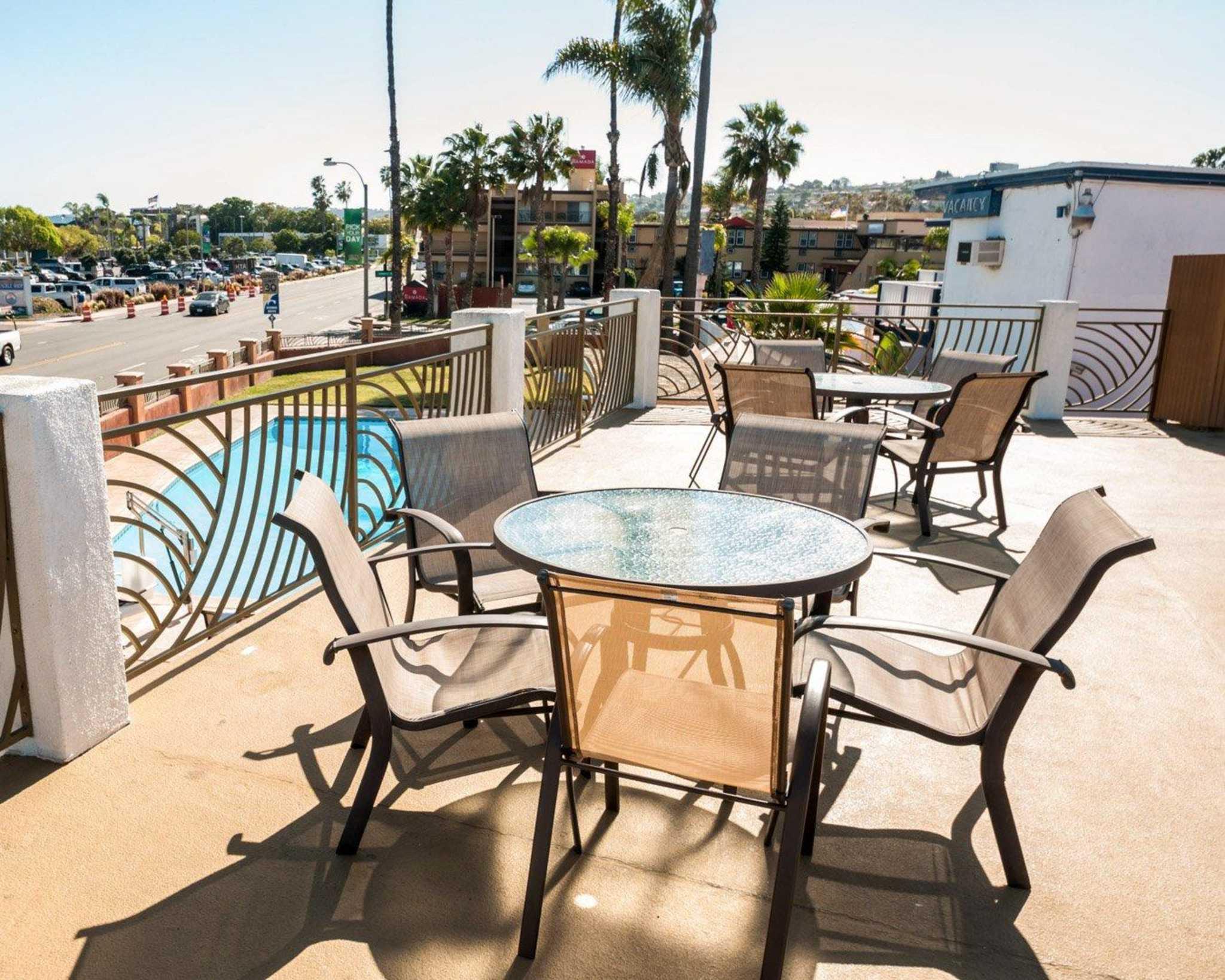Comfort Inn San Diego At The Harbor image 15