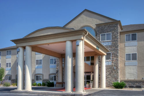 Holiday Inn Express & Suites Portales image 3