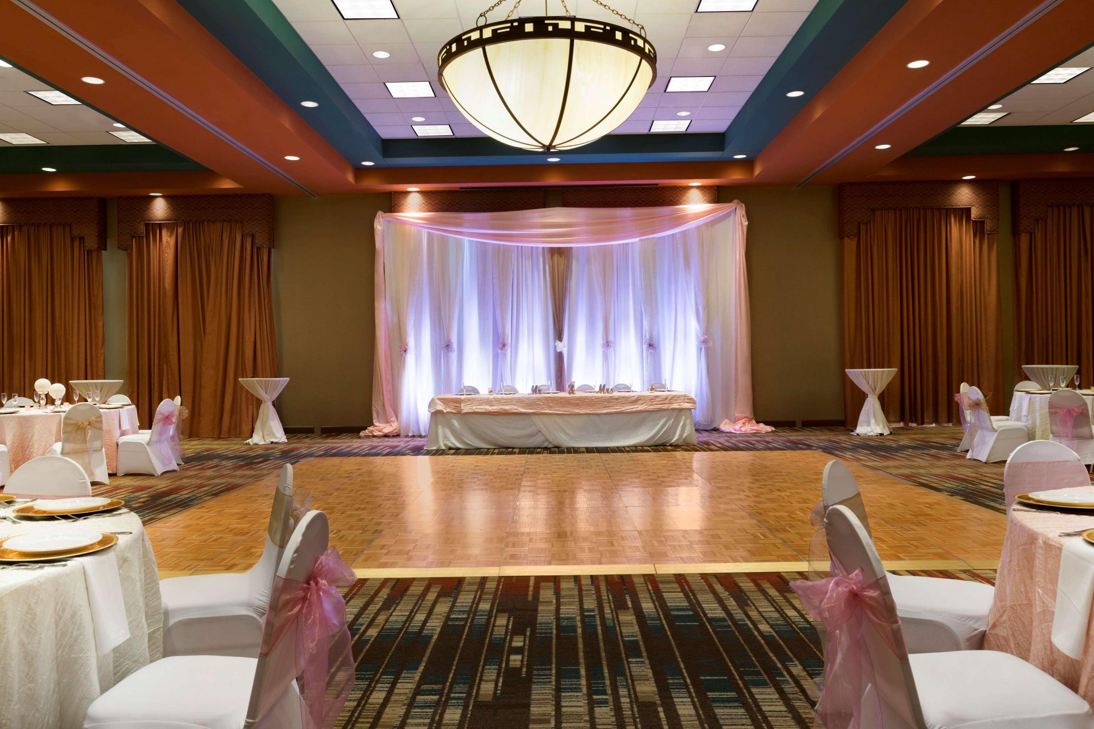 Embassy Suites by Hilton Albuquerque Hotel & Spa image 36