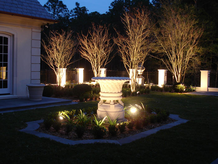 Dusk to Dawn Landscape Lighting image 8
