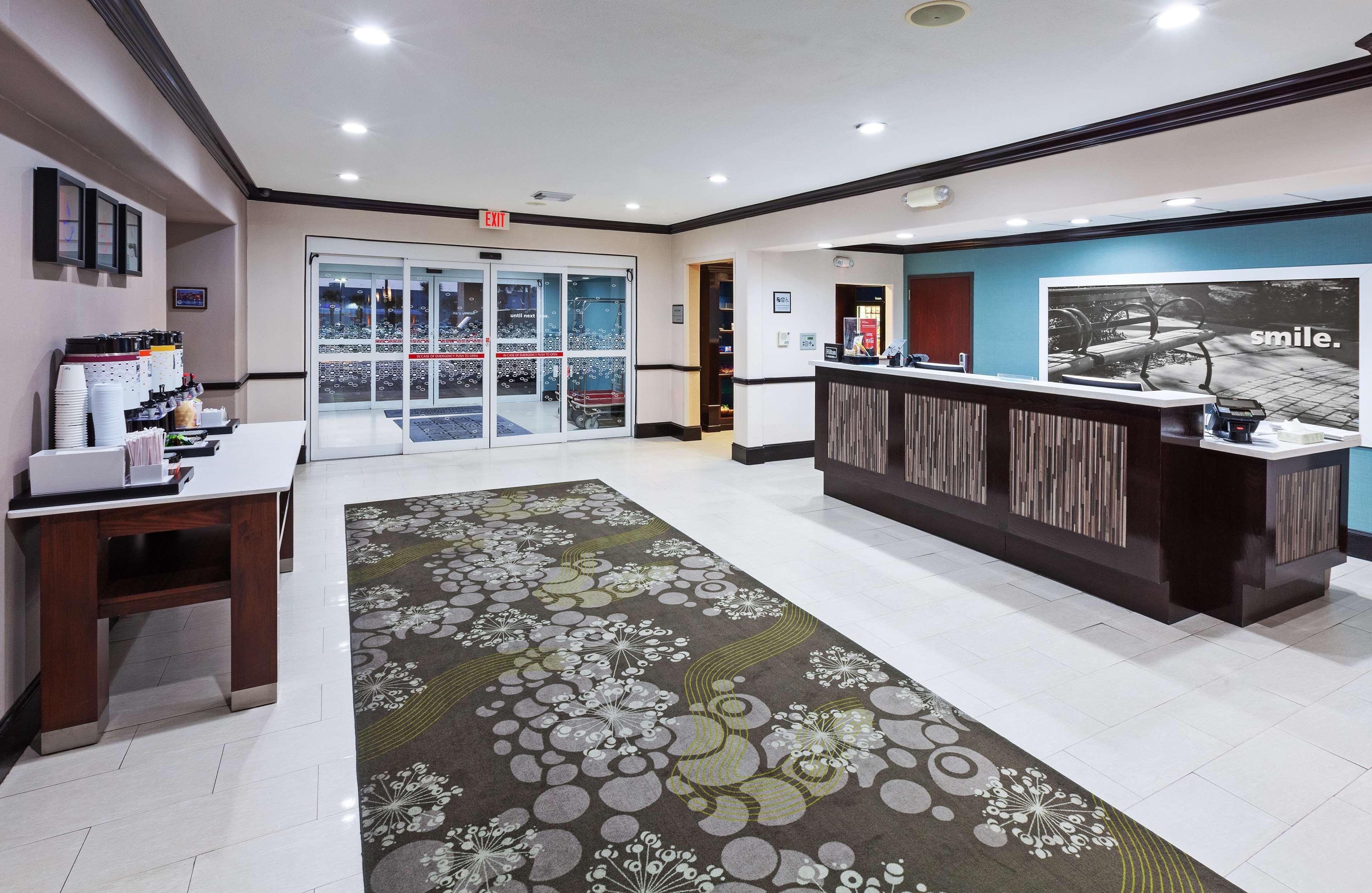 Hampton Inn & Suites Galveston image 8