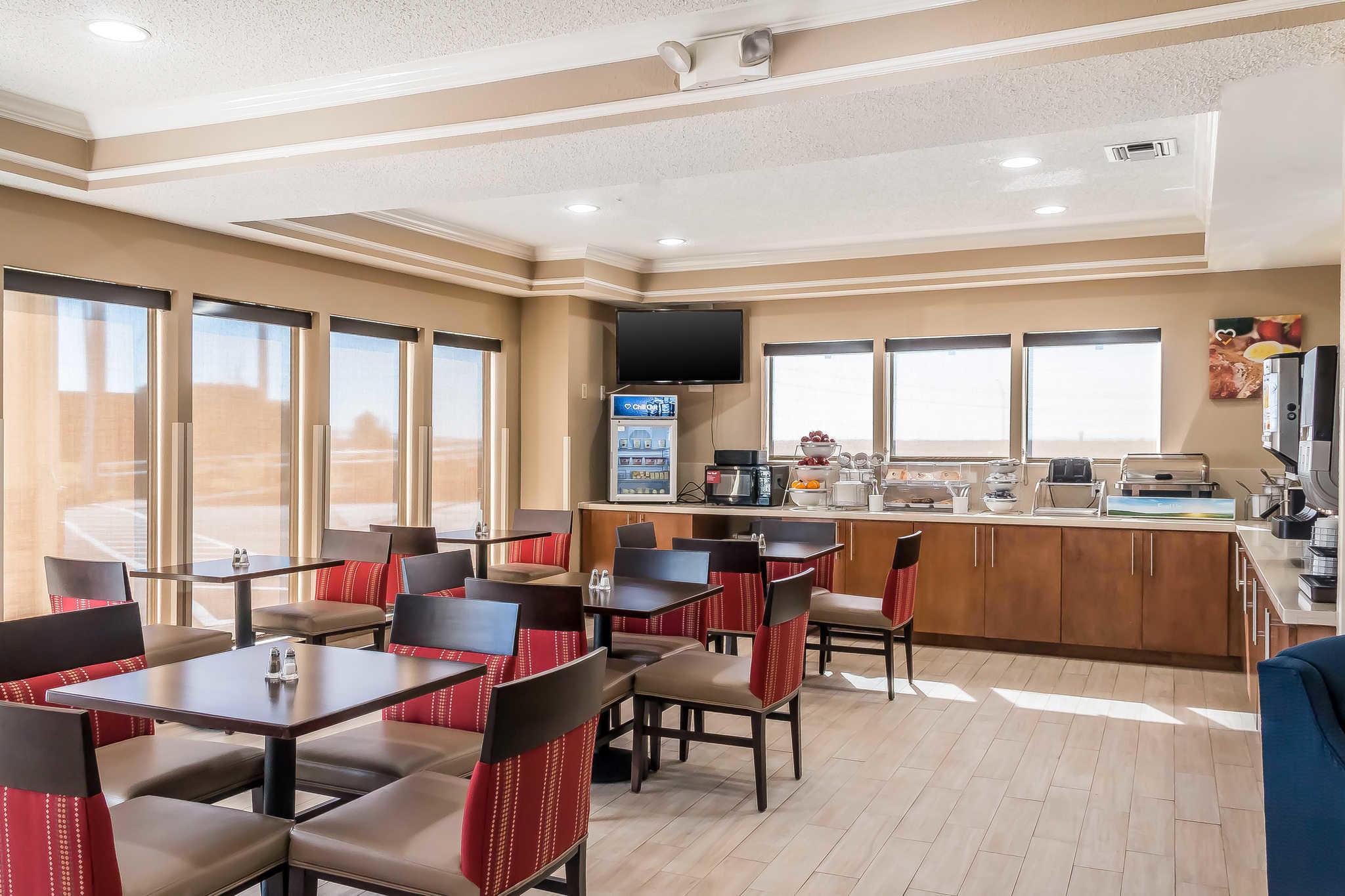 Comfort Inn I-10 EAST Near AT&T Center image 32
