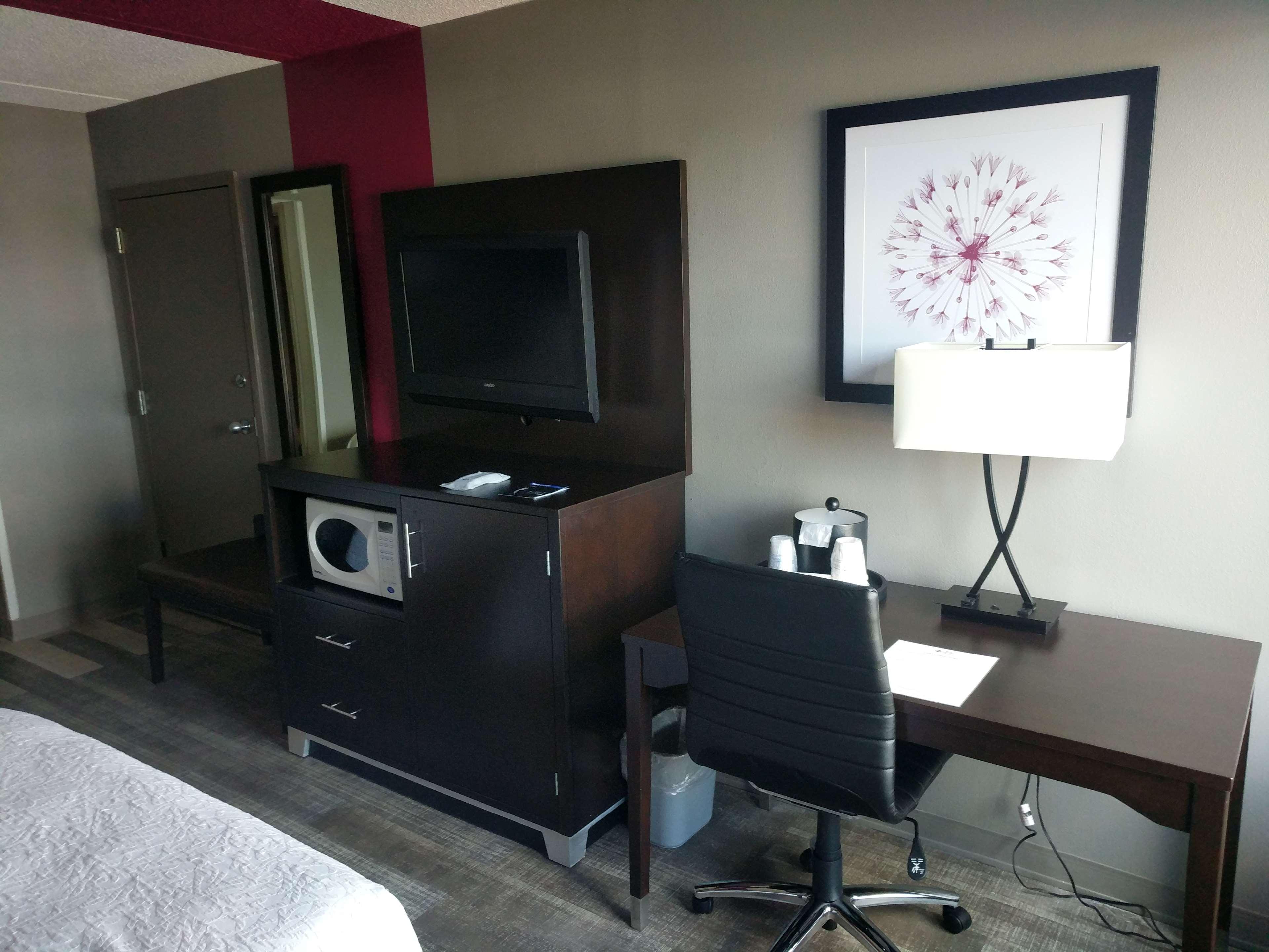 Best Western Plus Greensboro Airport Hotel image 19