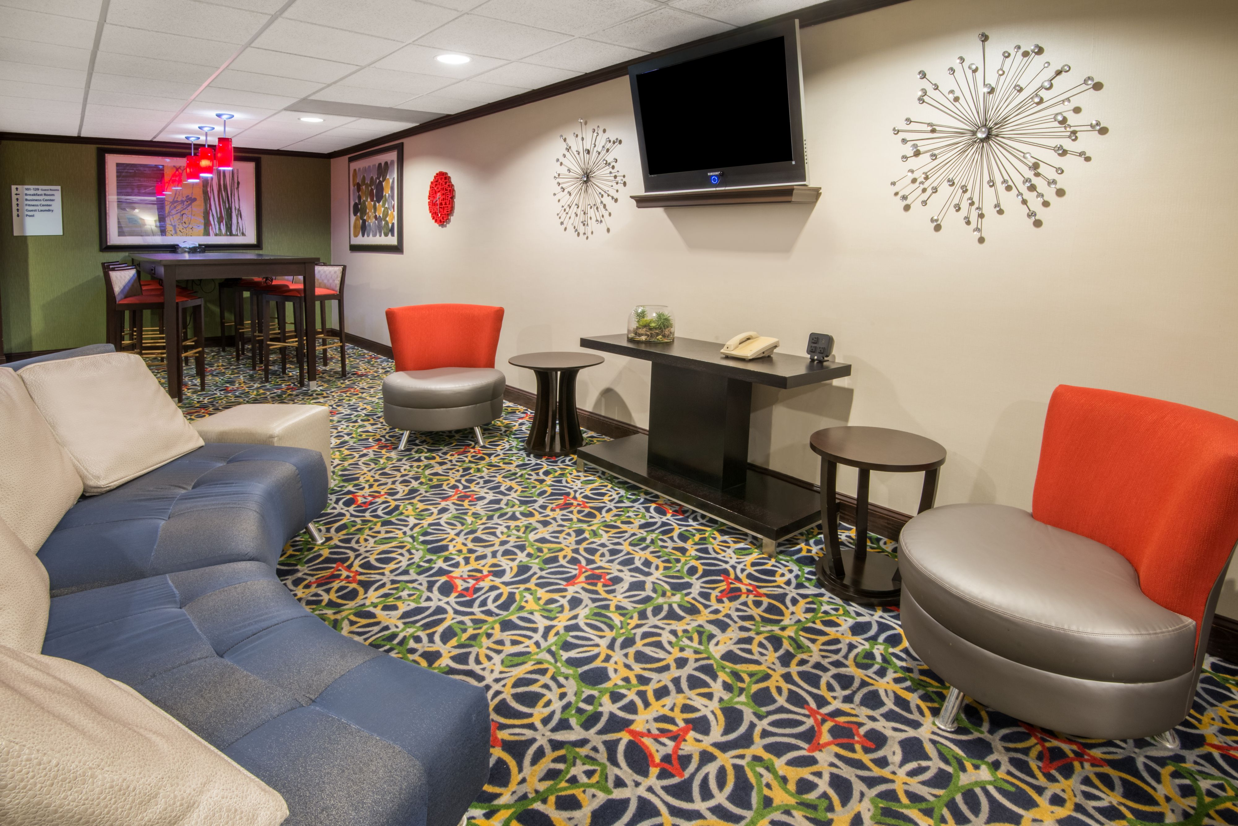 Holiday Inn Express Cleveland Airport - Brook Park image 5
