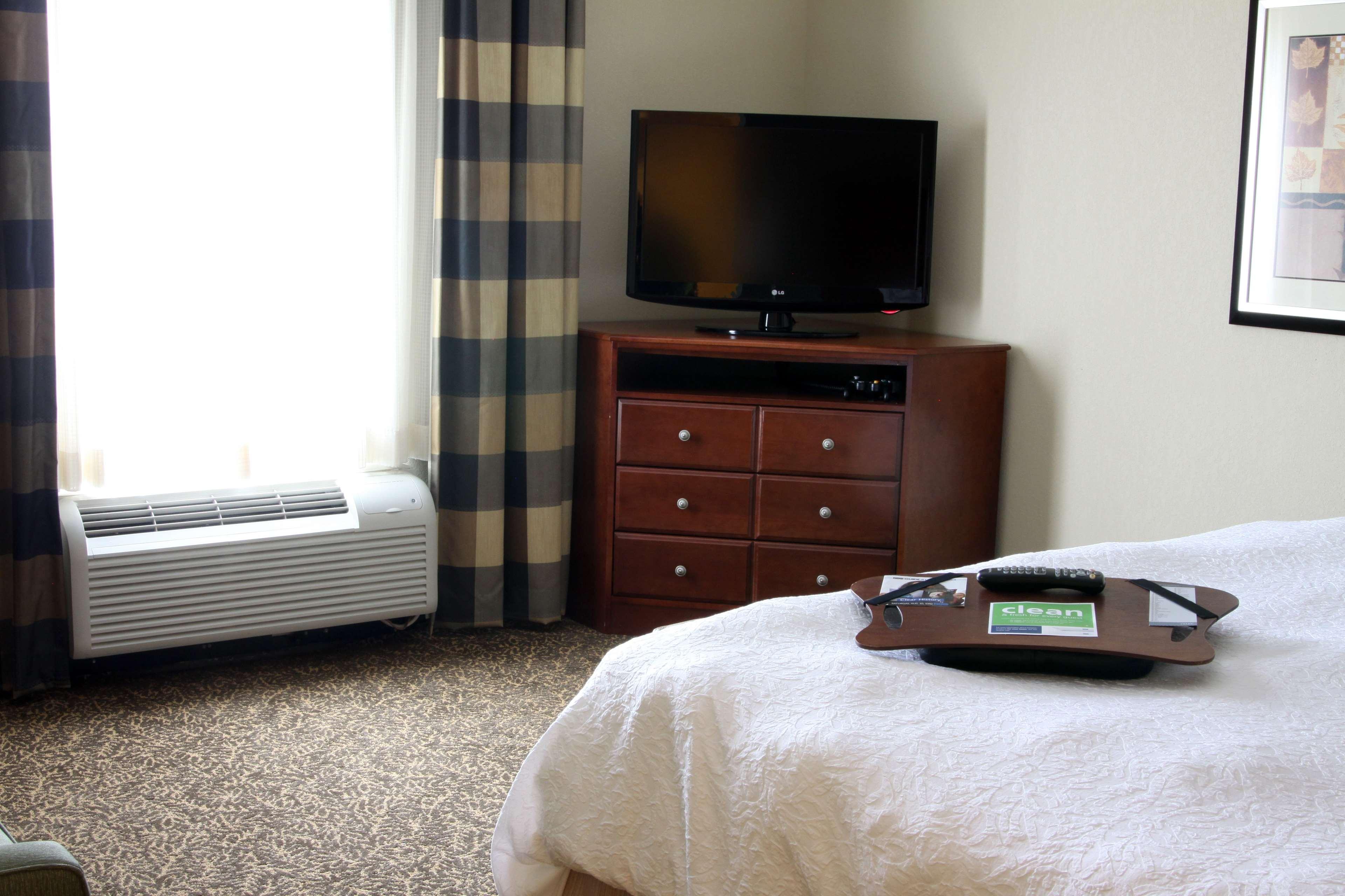 Hampton Inn & Suites Paducah image 24