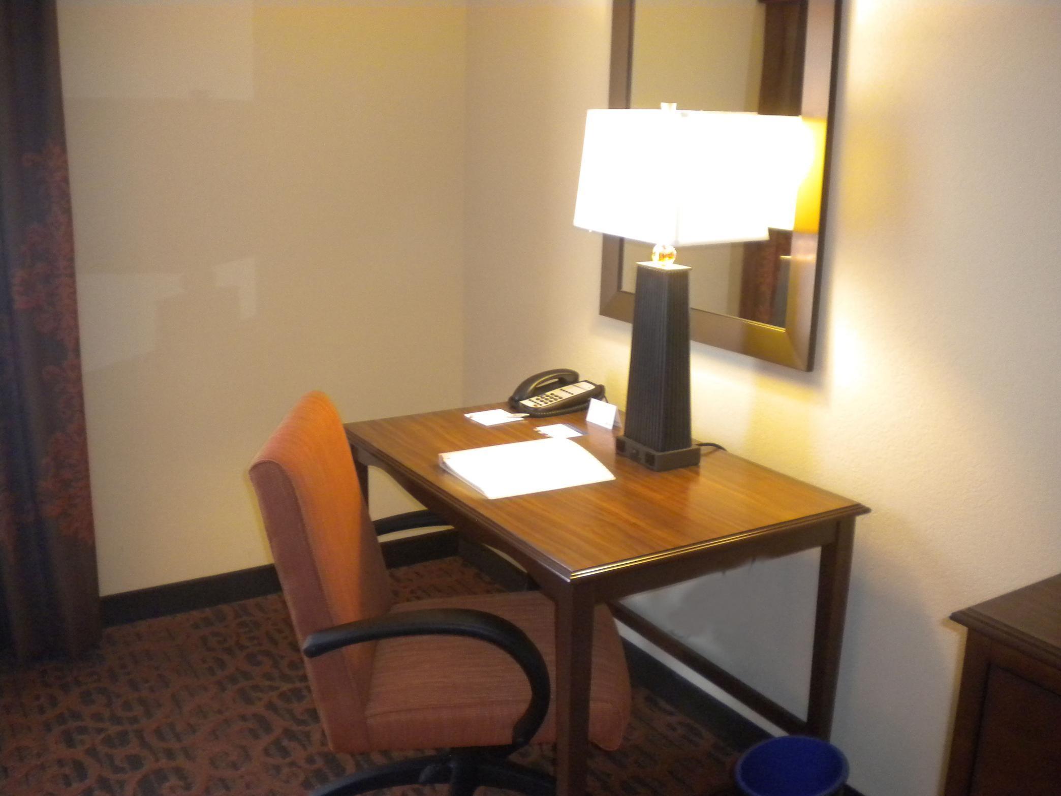Hampton Inn & Suites Cincinnati/Uptown-University Area image 15