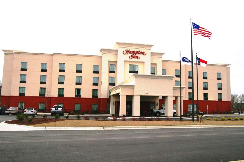 Hampton Inn Wilson Downtown image 0