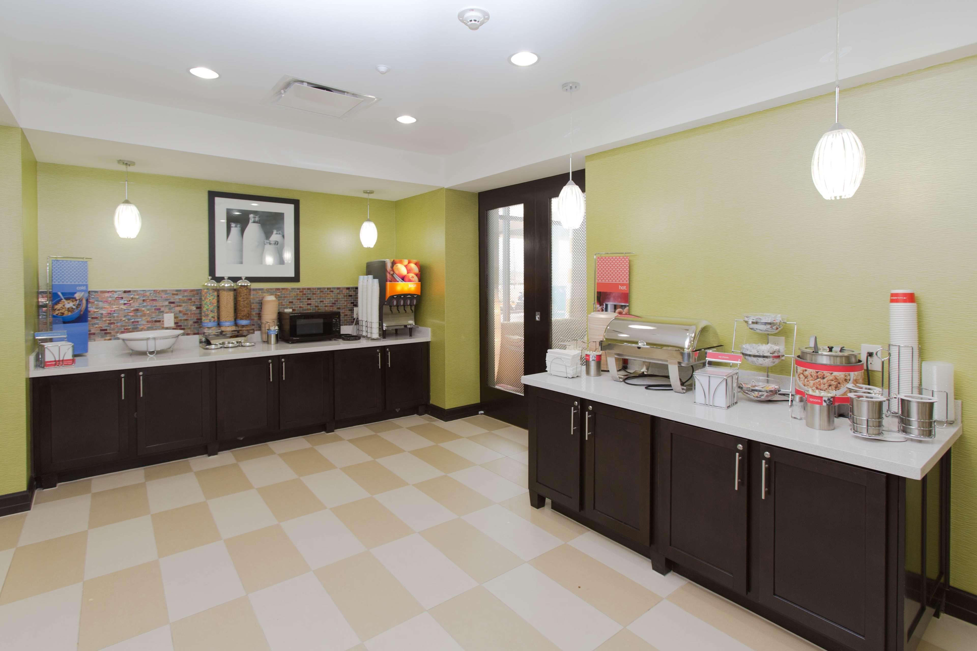 Hampton Inn & Suites Missouri City, TX image 18