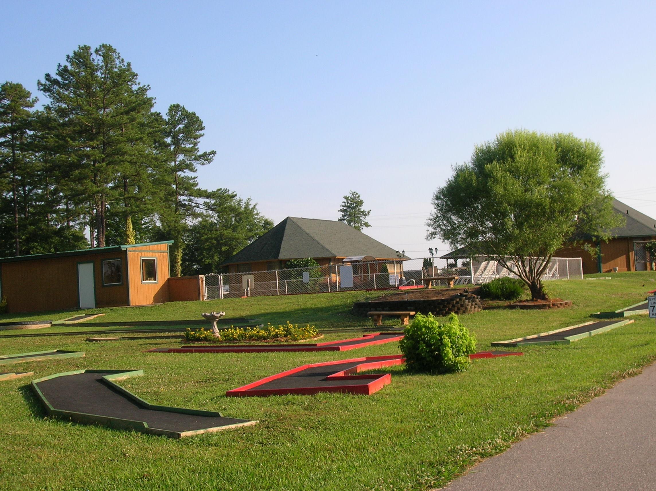 Spartanburg NE / Gaffney KOA Holiday image 23
