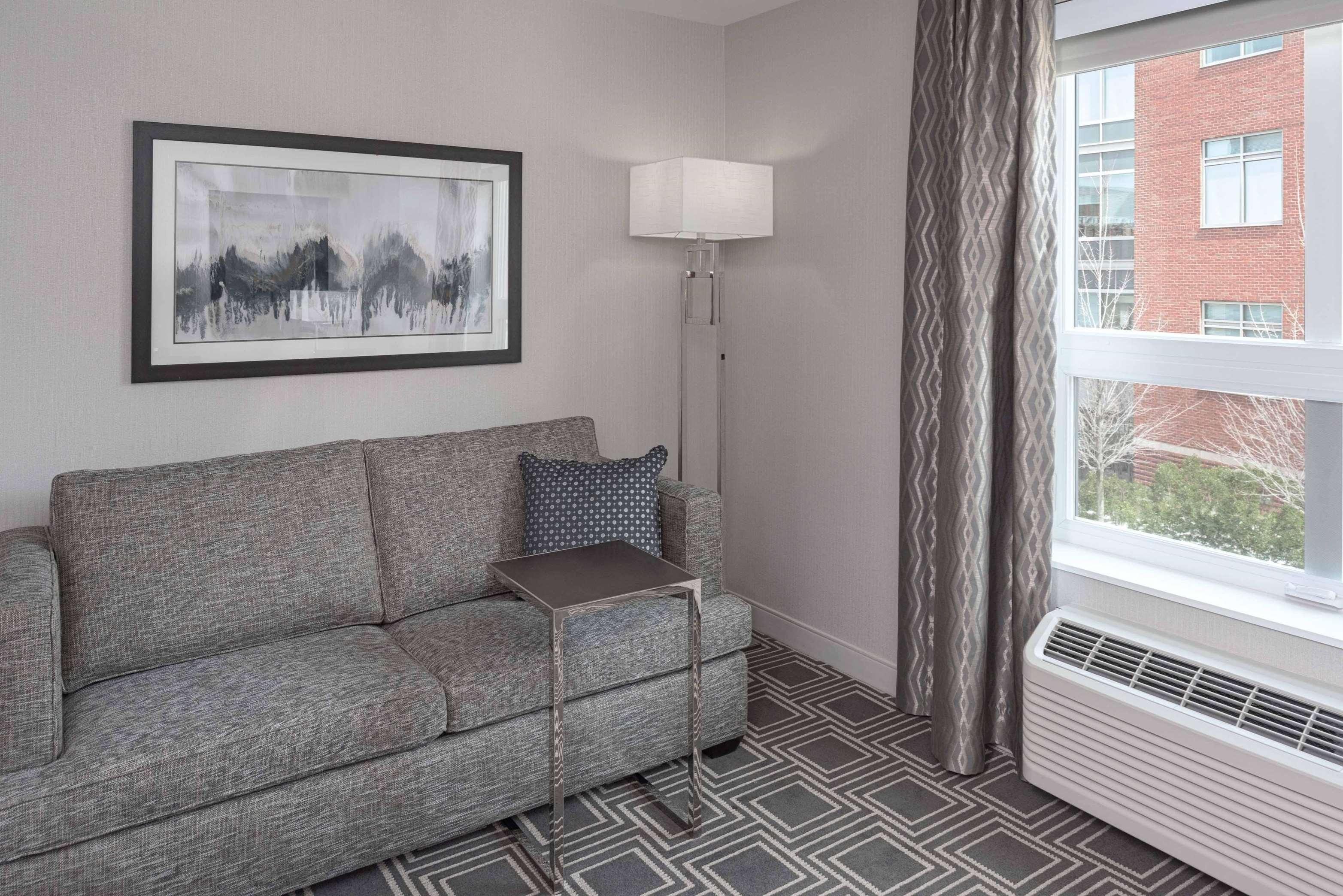 Hampton Inn & Suites Worcester image 25