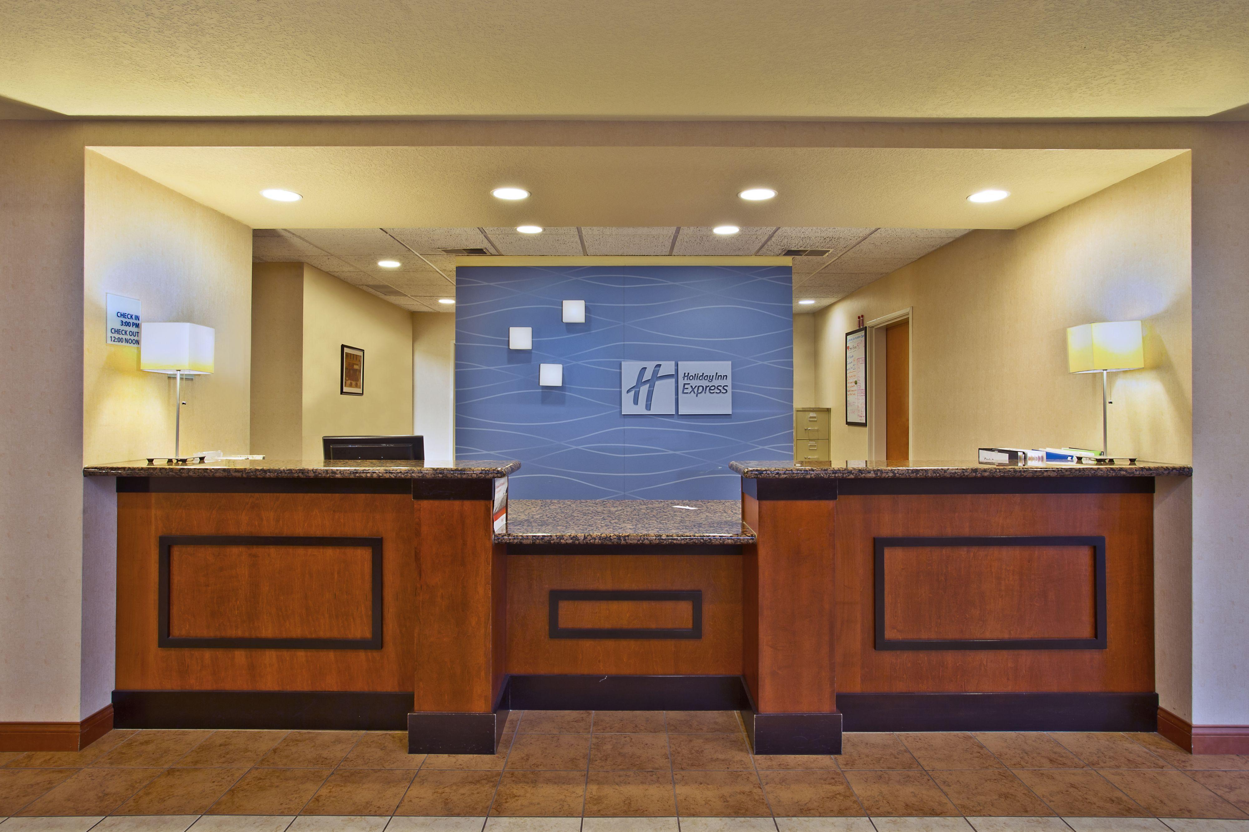 Holiday Inn Express & Suites East Lansing image 9