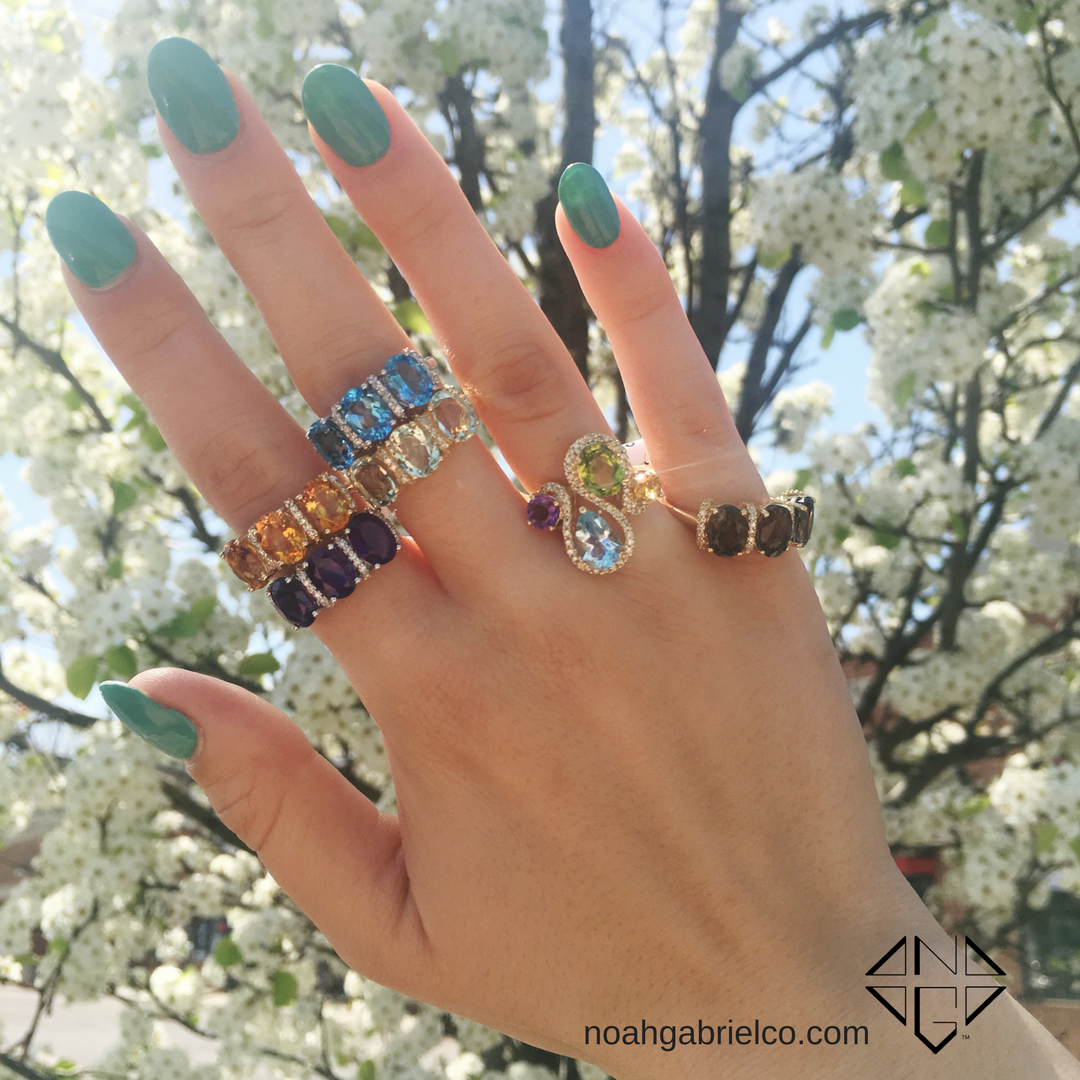 We're loving this weather and these rings! Our Lali collection has so many fun colors to choose from. Which one is your fave?