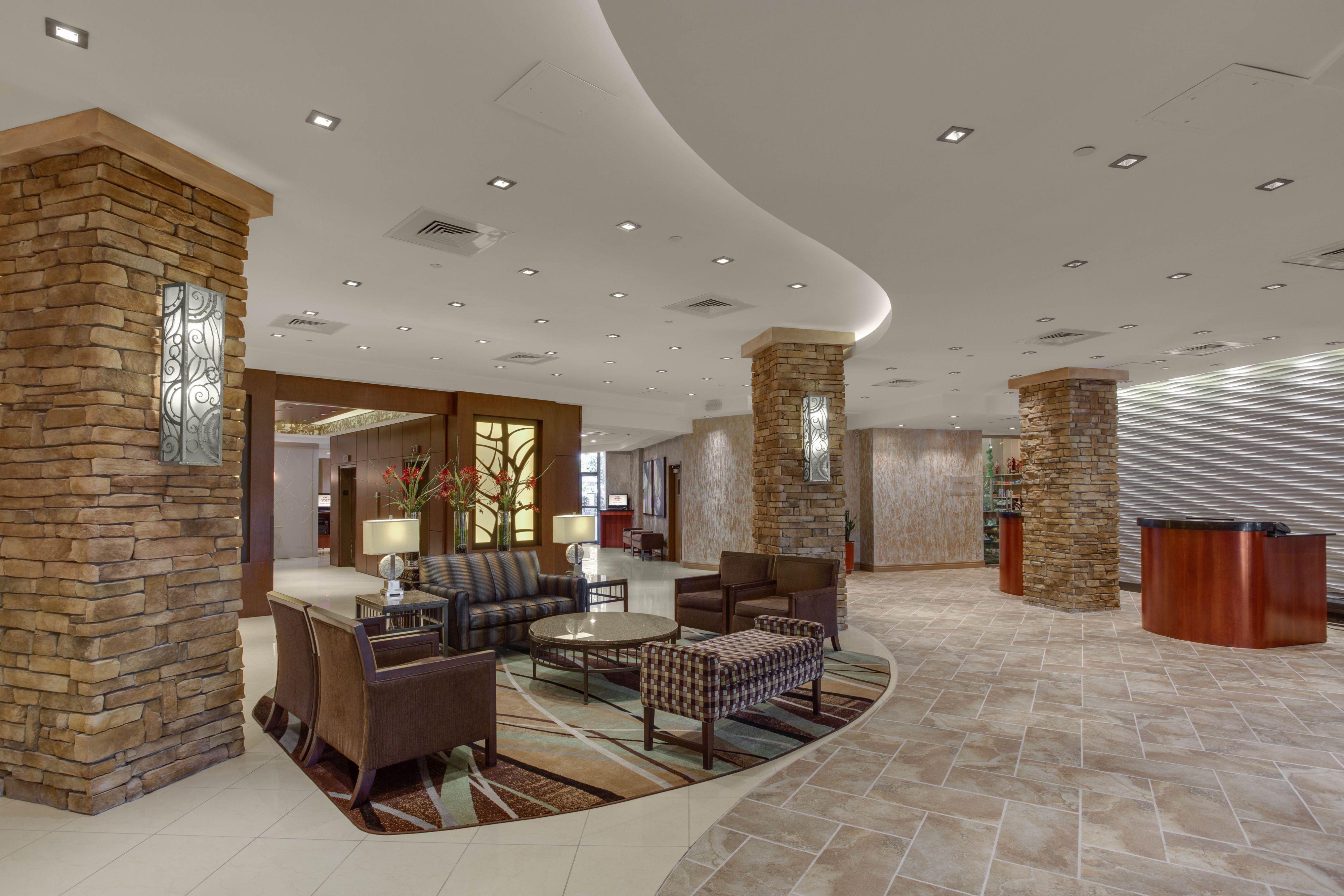 Crowne Plaza Executive Center Baton Rouge image 5
