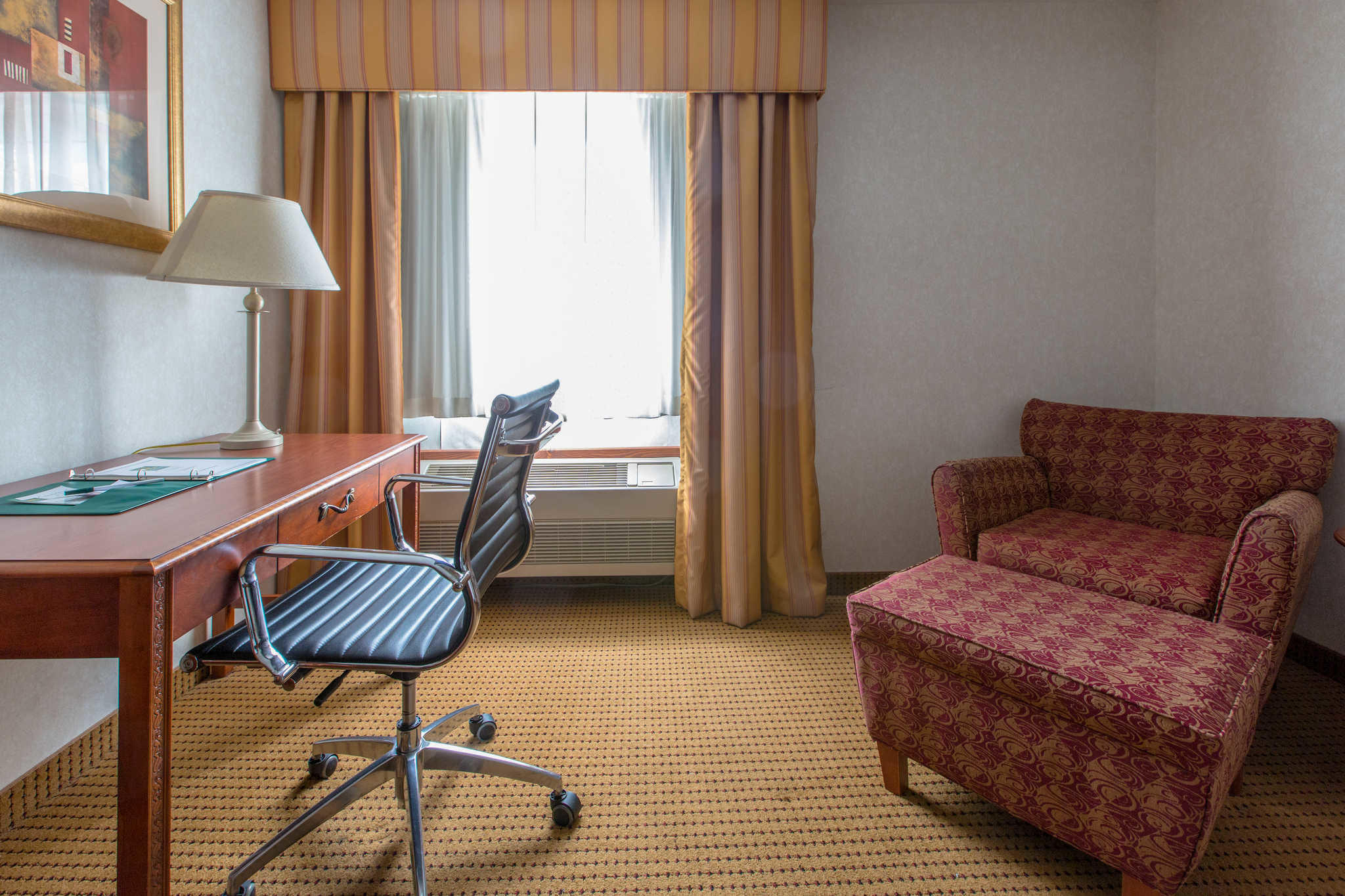 Quality Inn & Suites University image 31