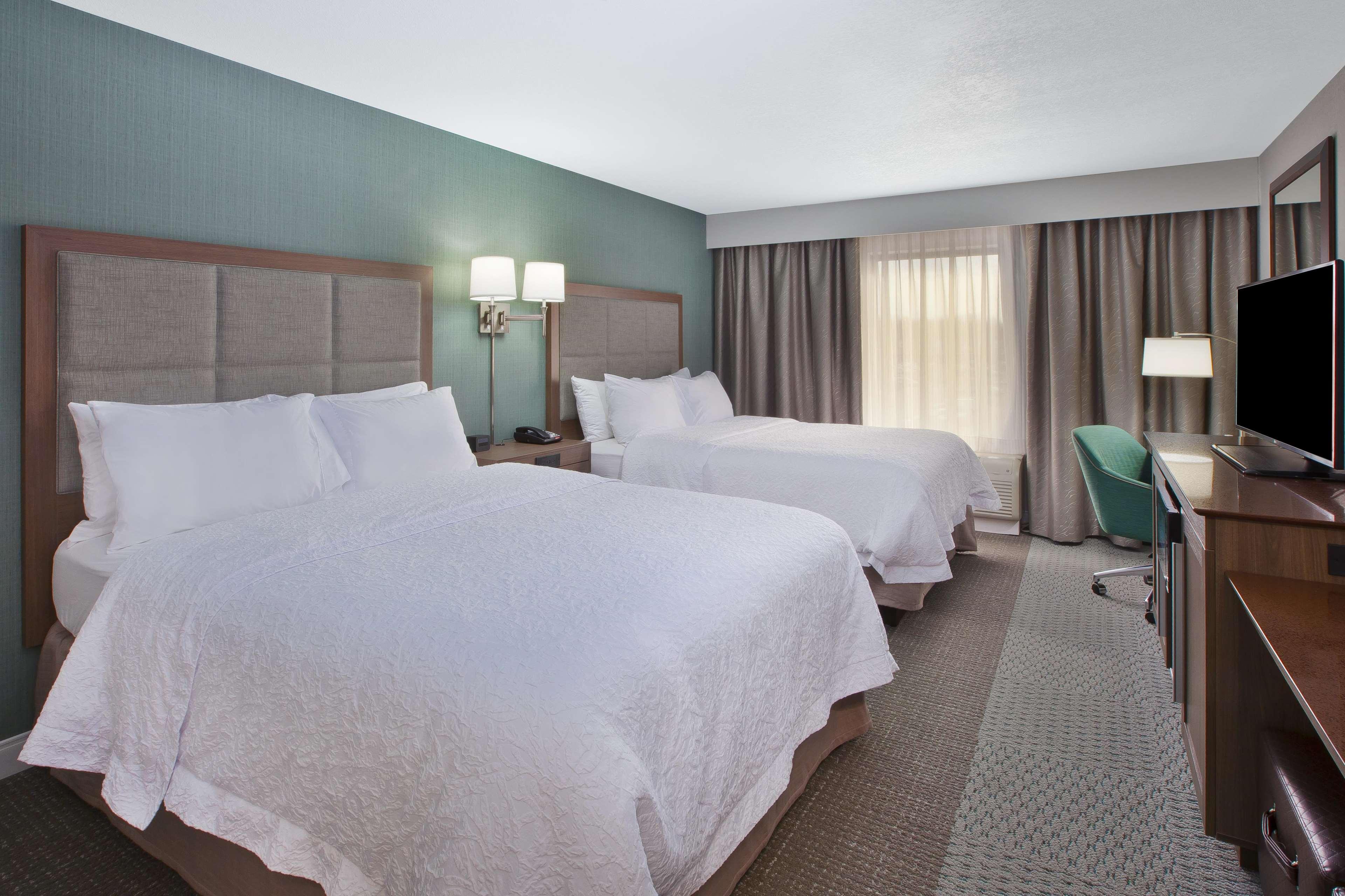 Hampton Inn & Suites Alliance image 14